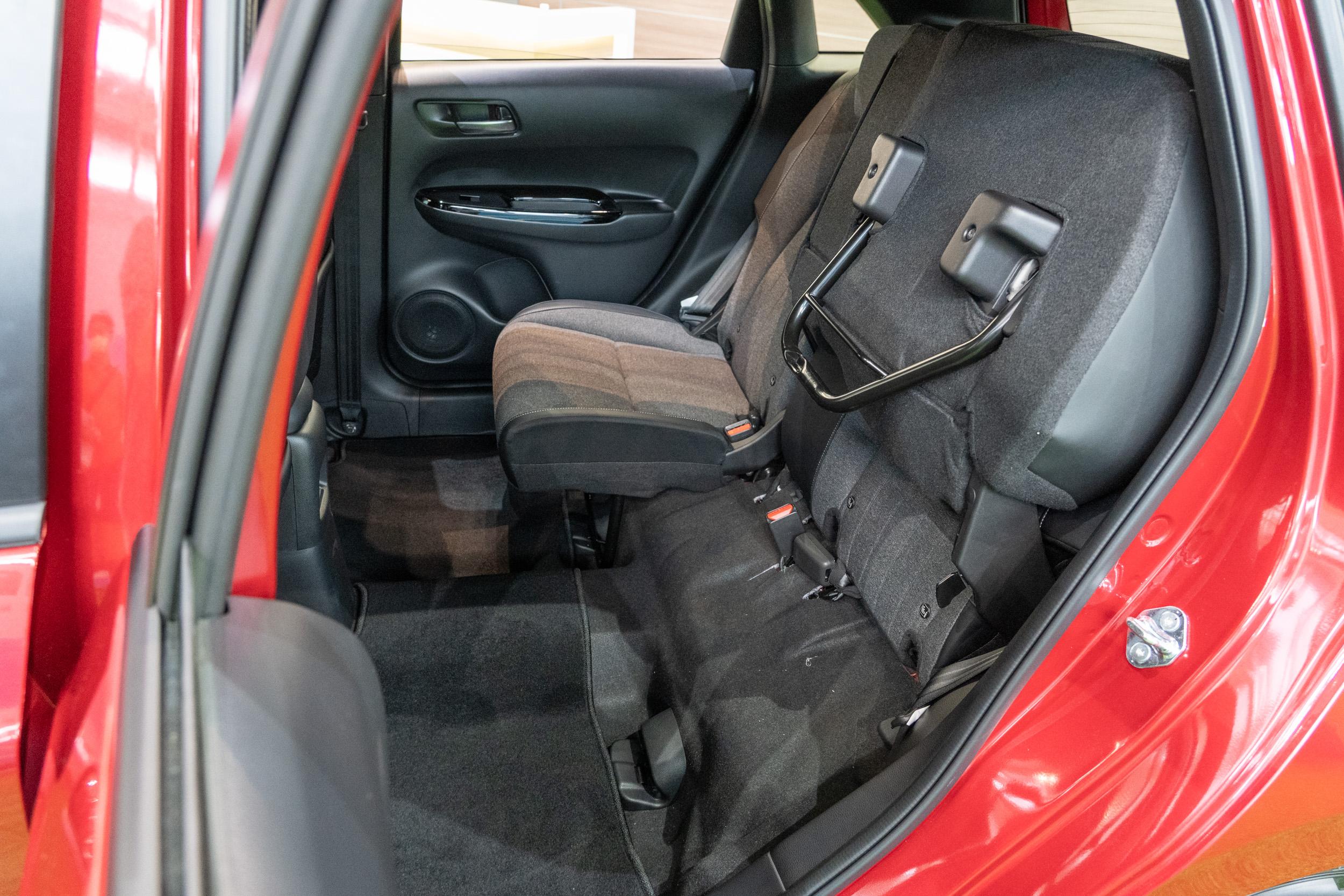 同樣也有 Ultra Seat 多功能變化座椅。