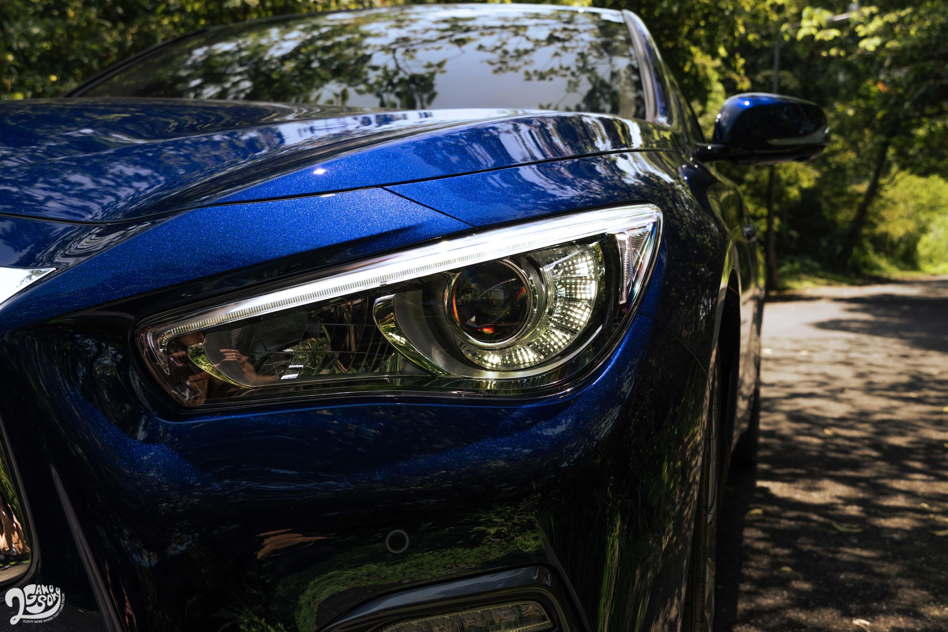 Silver Sport 的 LED 狩獵者頭燈配備主動轉向與遠近光自動啟閉功能。