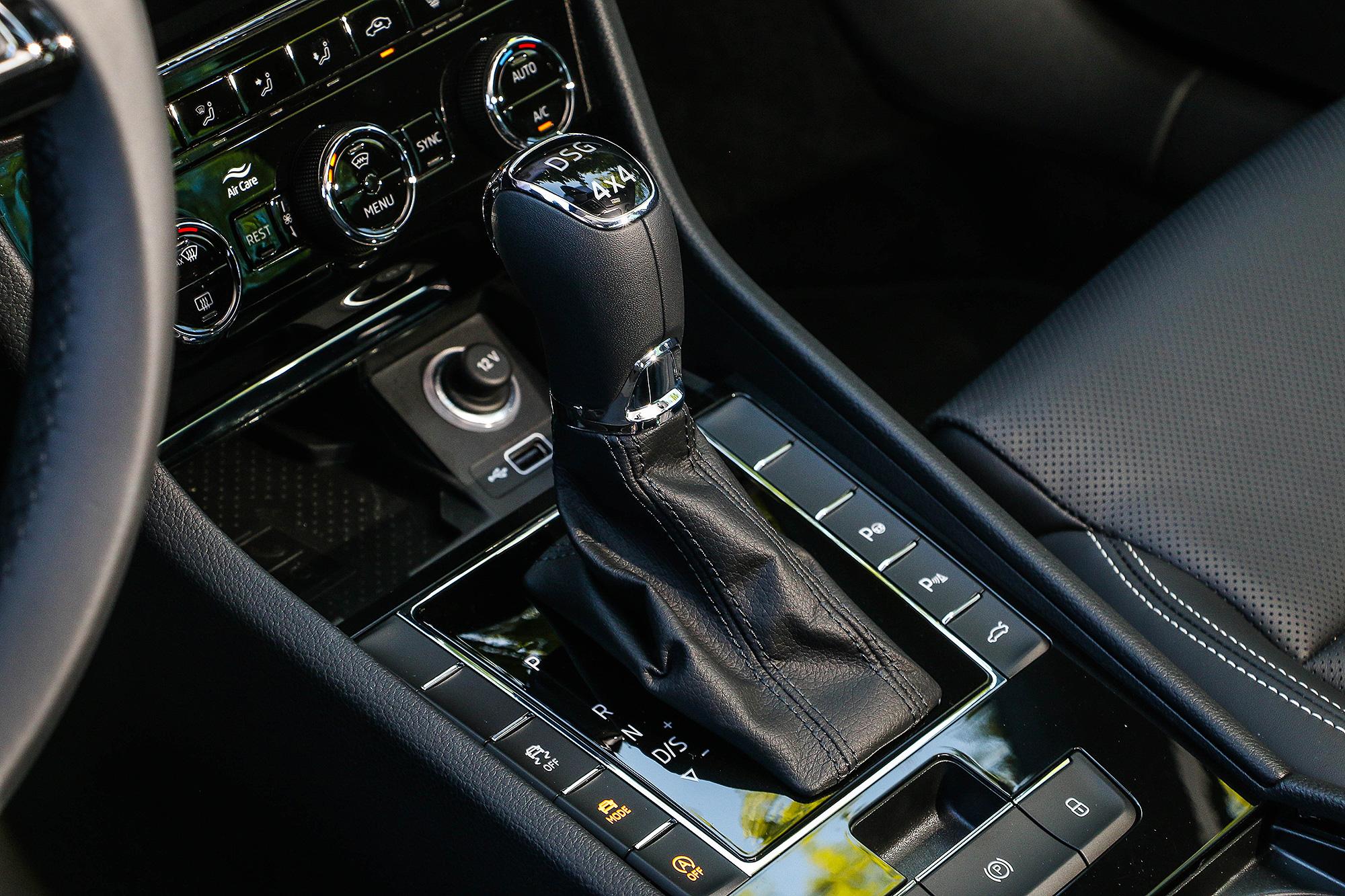 搭配 7 速 DSG 雙離合器變速箱與 4x4 全時四輪驅動系統。