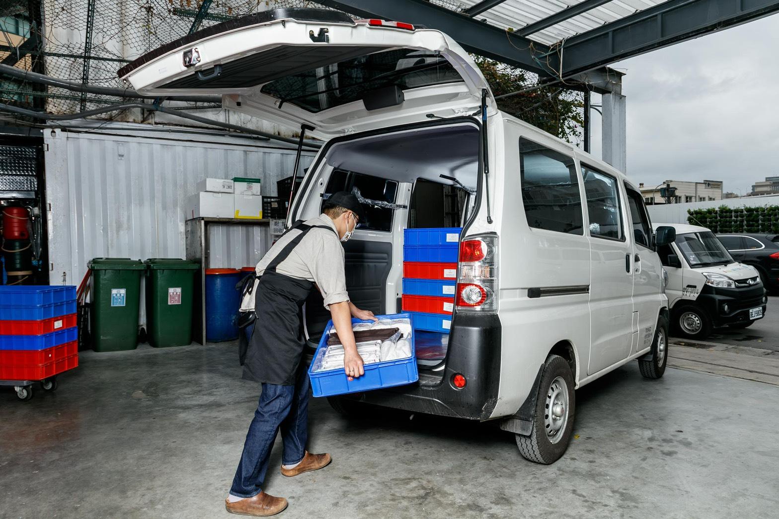 e-Veryca 室內可堆疊的靈活載貨空間也能援助各種需求的外燴訂單。