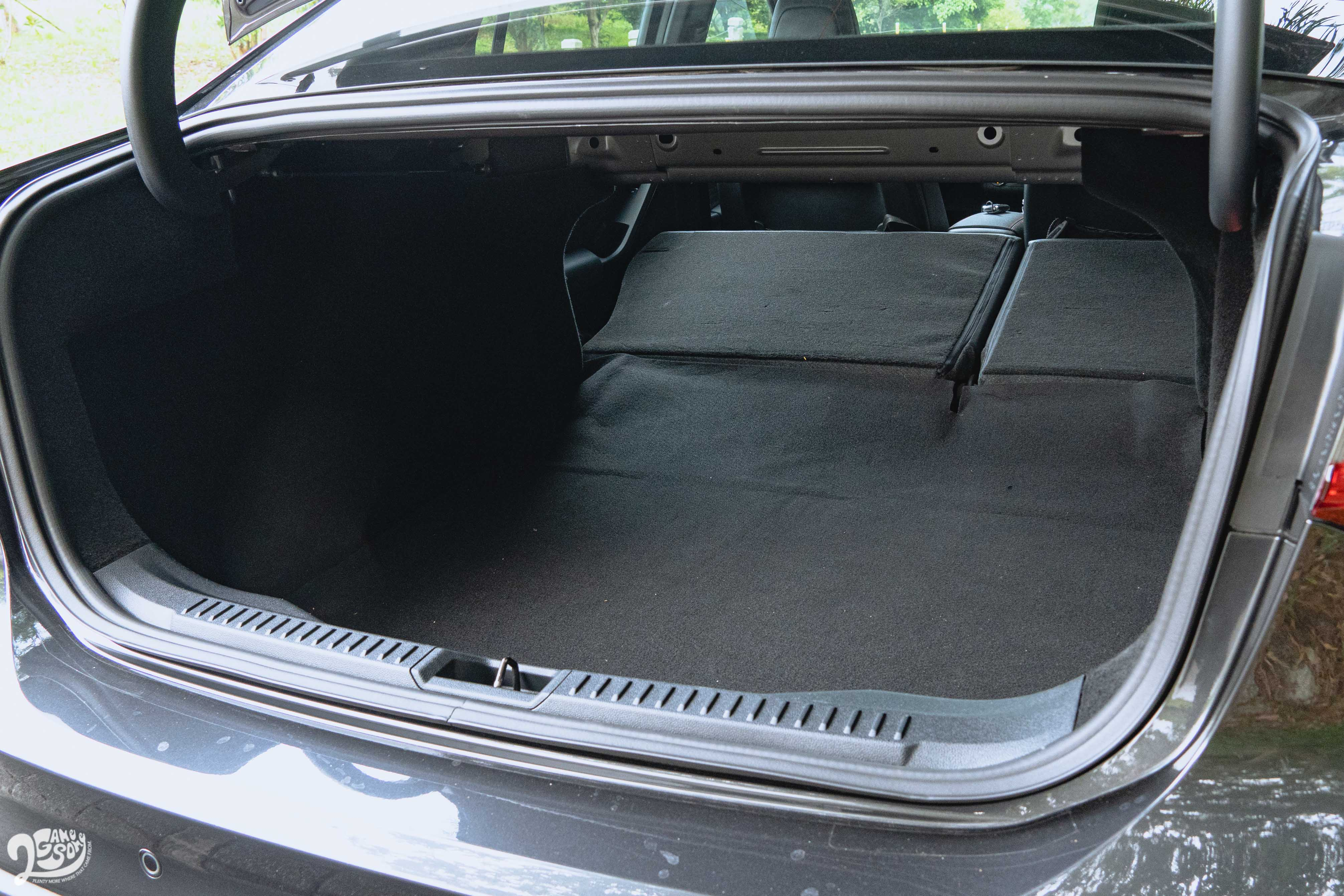 Focus 4D 比 5D 多出 170 公升的行李廂空間(511 公升)。