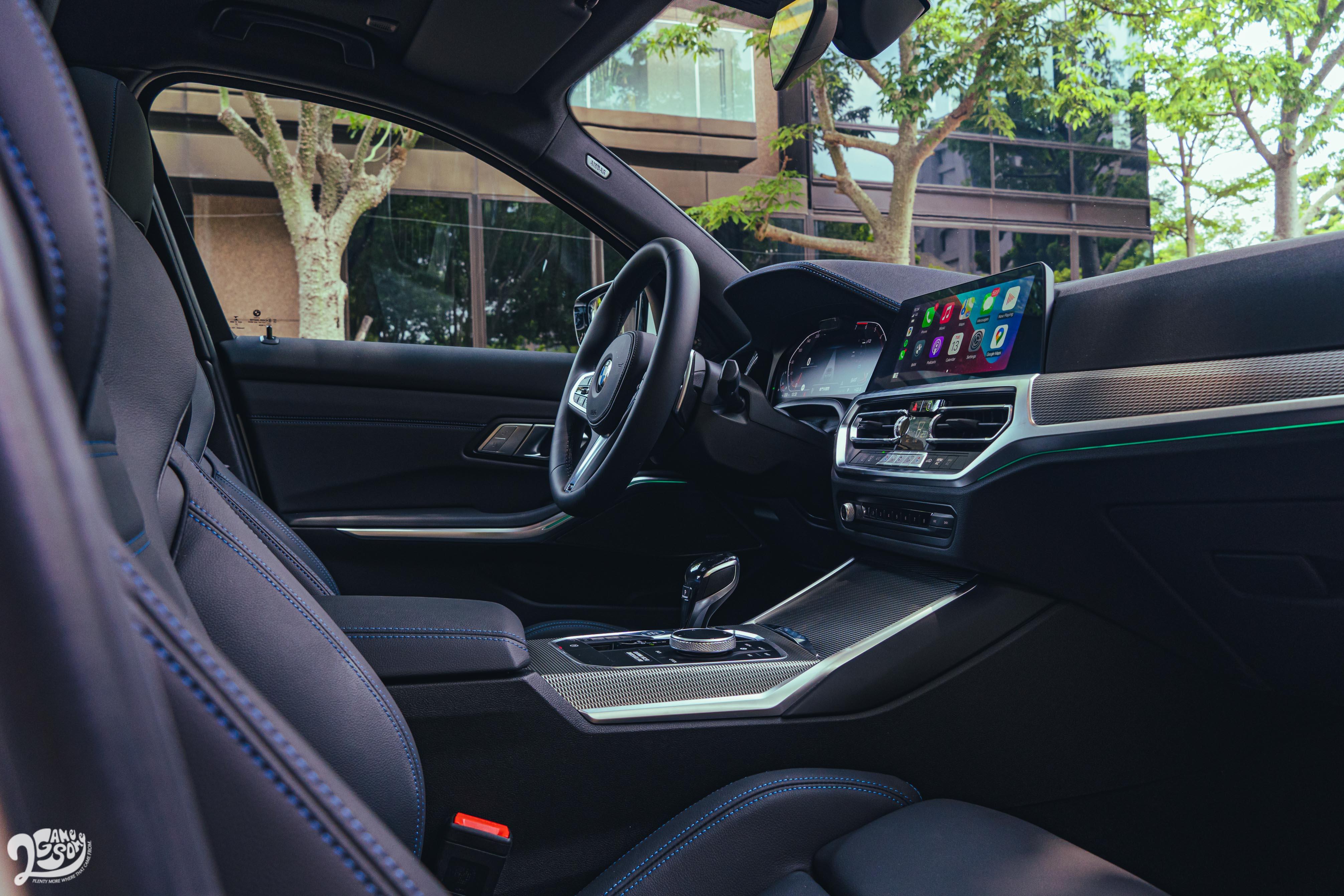 M跑車座椅、M款真皮方向盤,搭配上 Vernasca真皮內裝。