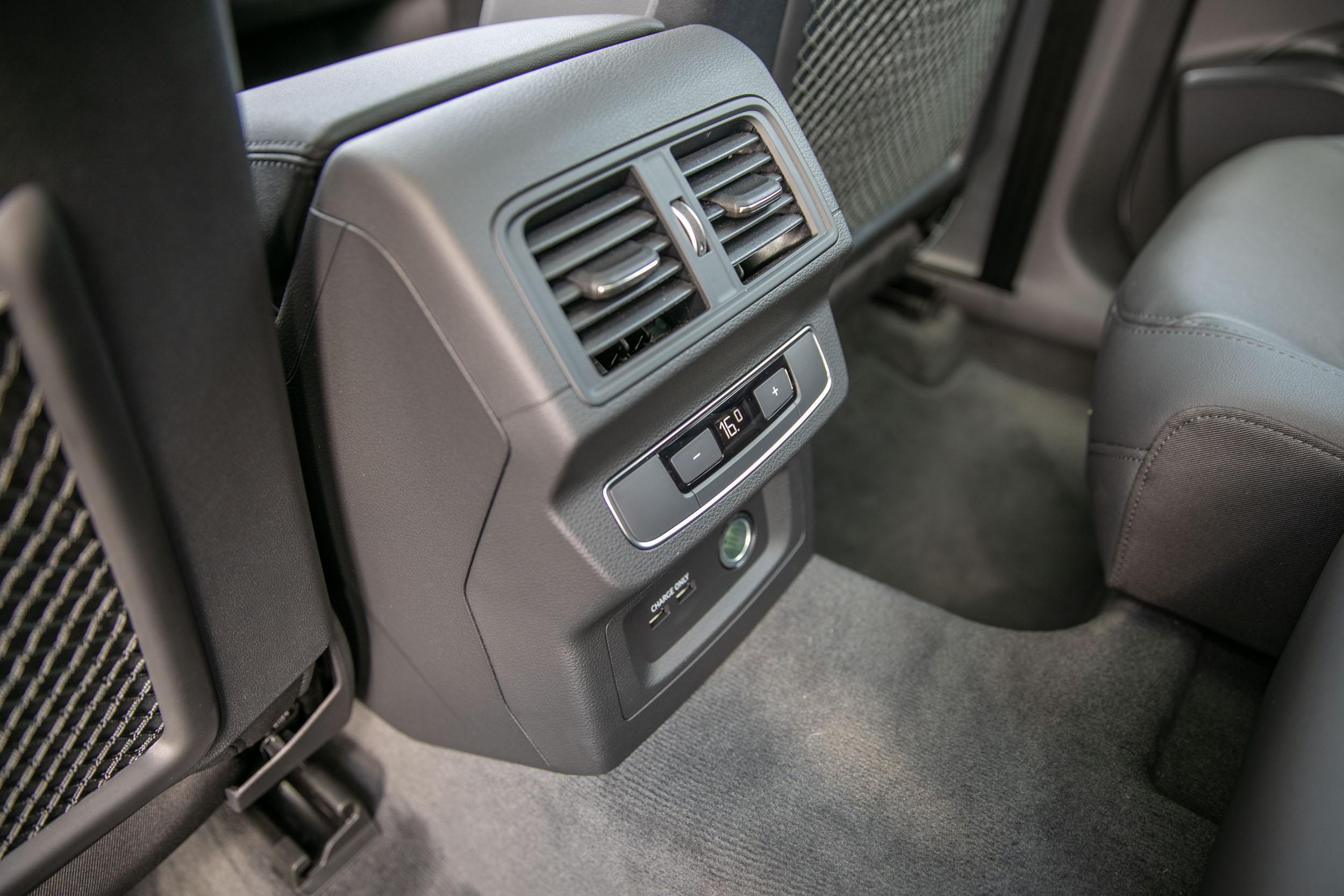 三區獨立恆溫空調讓後座可以享有更舒適的乘坐環境。