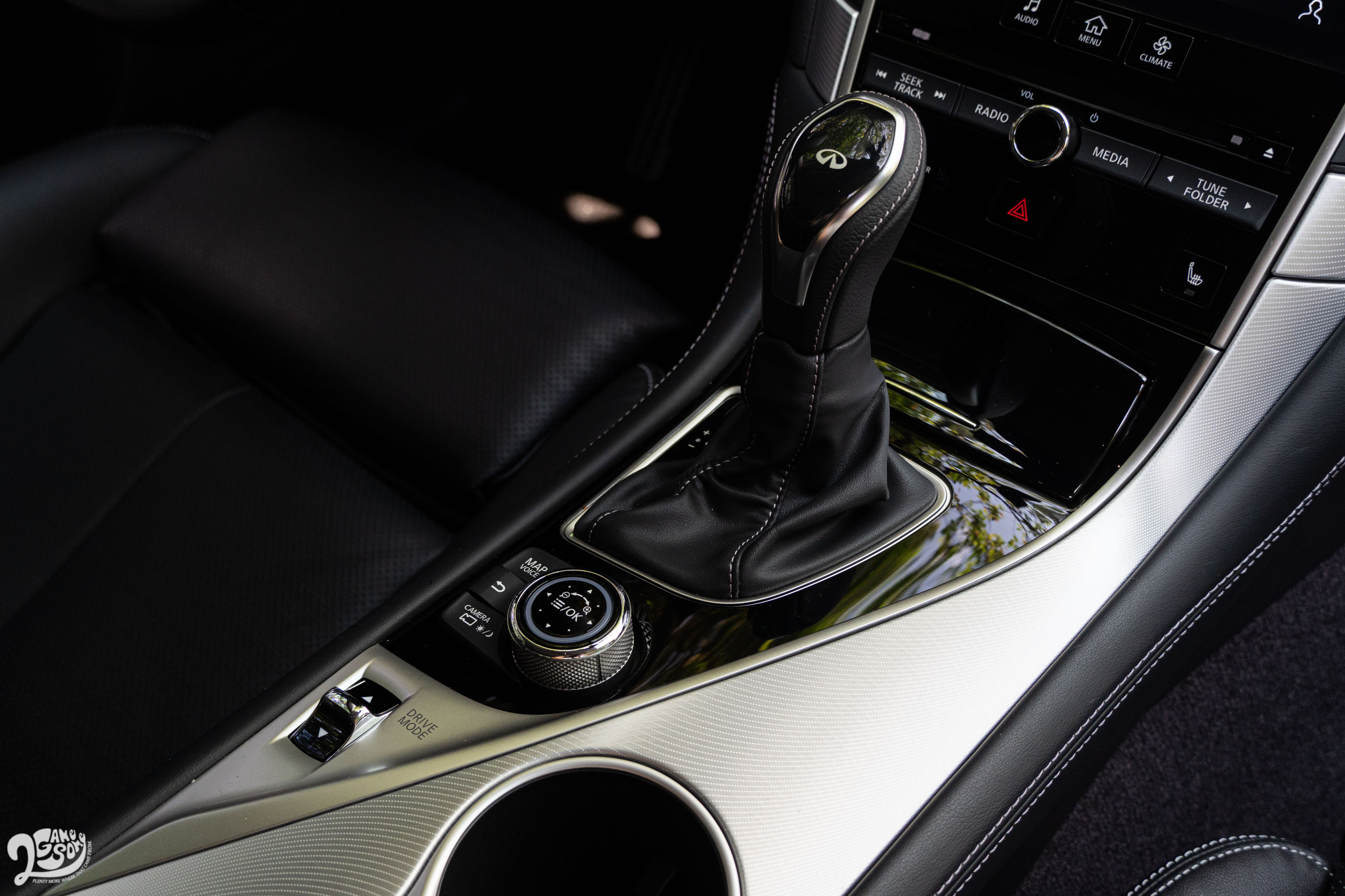7 速手自排變速箱反應平性能車水準。