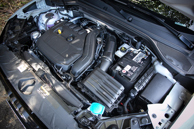 搭載 1.5升直列四缸渦輪增壓汽油引擎,具備 150hp / 5000~6000rpm 最大馬力與 250Nm / 1500~3500rpm 最大扭力輸出。