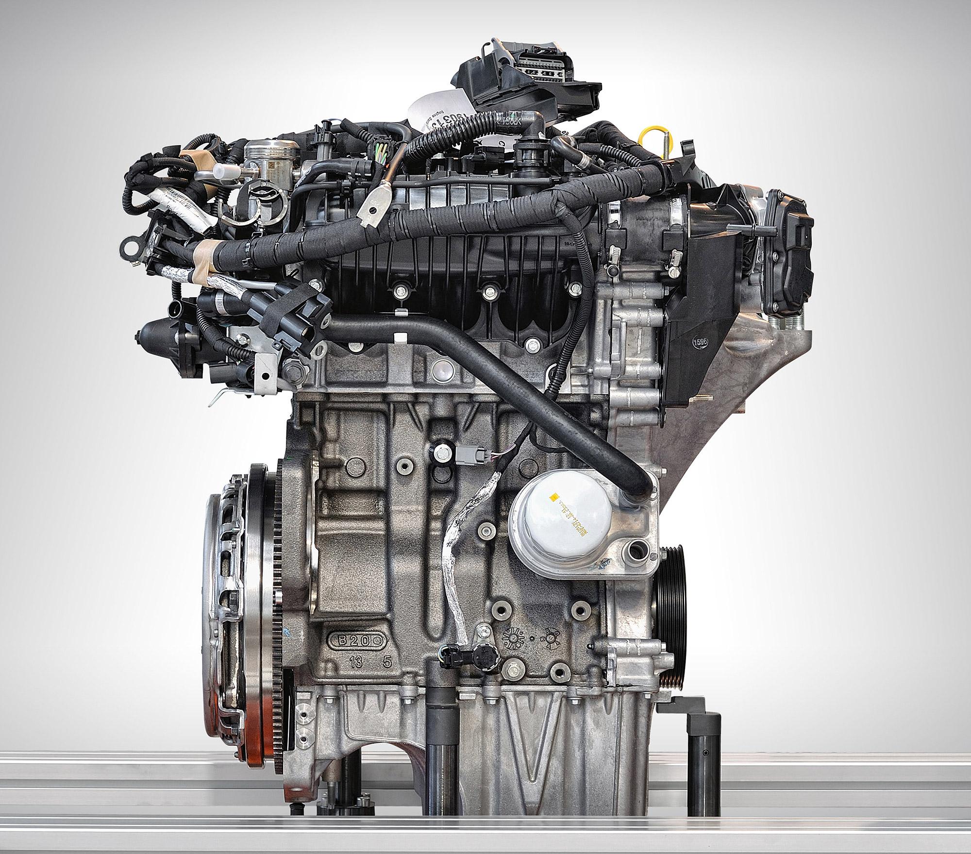 引擎的零件複雜與開發、製造門檻高,造成汽車業的進入門檻相當之高。