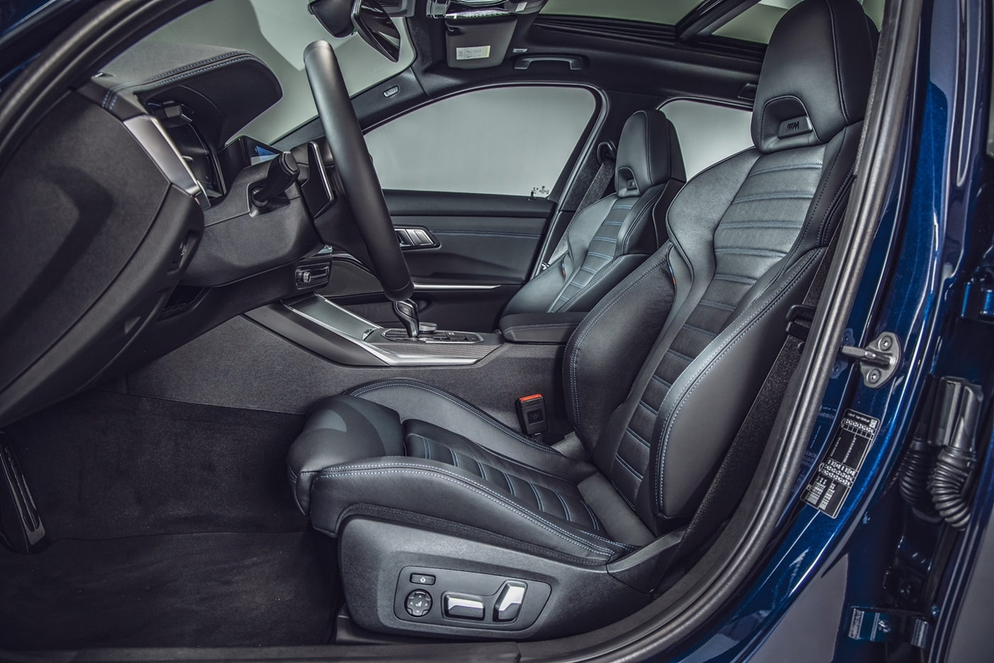 M 雙前座跑車座椅搭配全新 Vernasca 真皮內裝。