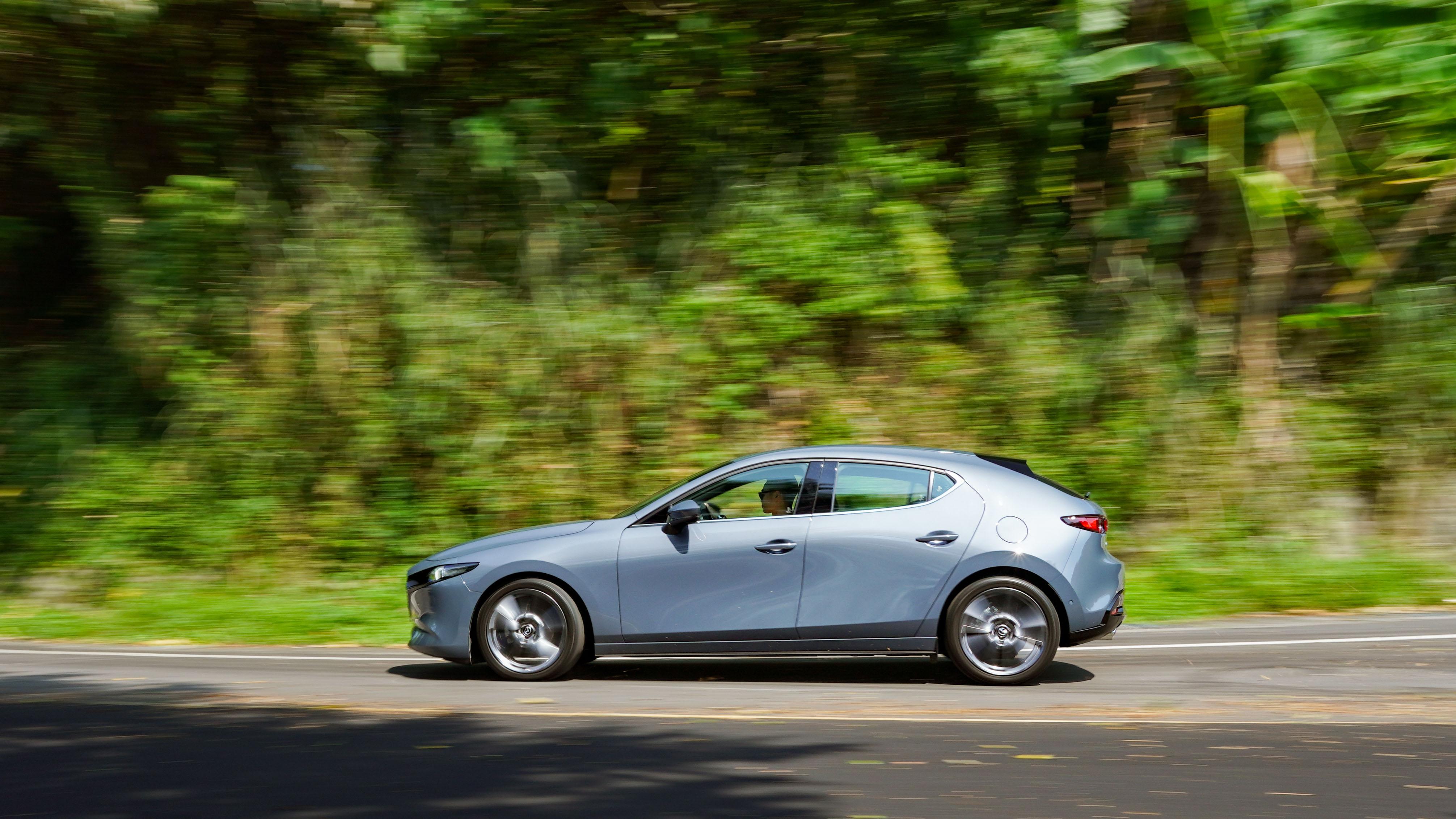 21 年式 Mazda3 全車系售價 79.9 萬至 99.9 萬元。