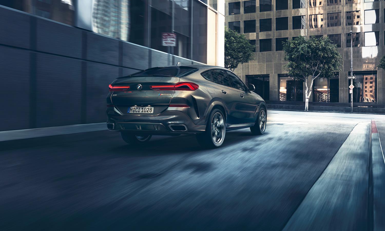 全新世代 BMW X6 注入更多跑車元素,LED 3D 立體尾燈與車尾線條採用與 BMW 8 系列相同設計風格。