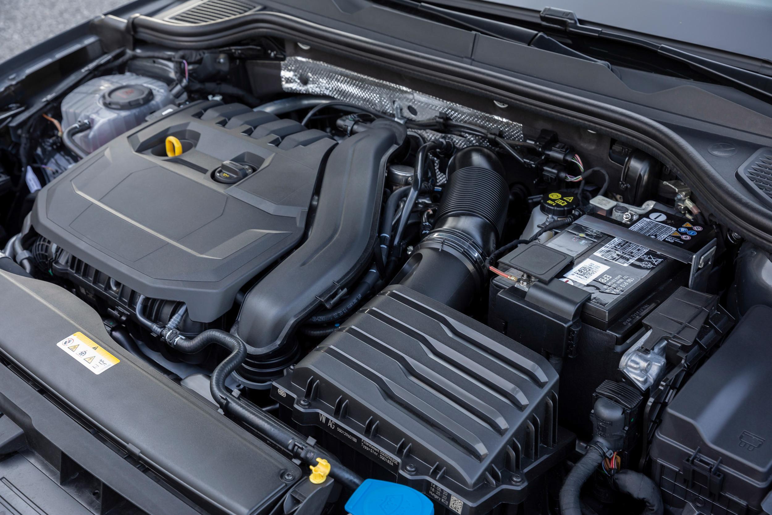 透過電能輔助可為引擎帶來多達9kW的動力輸出和50Nm扭力,同時可縮短25%的時間來達到相同扭力數值,且平均油耗可降低最多達10%,二氧化碳排放每公里最多降低8g。