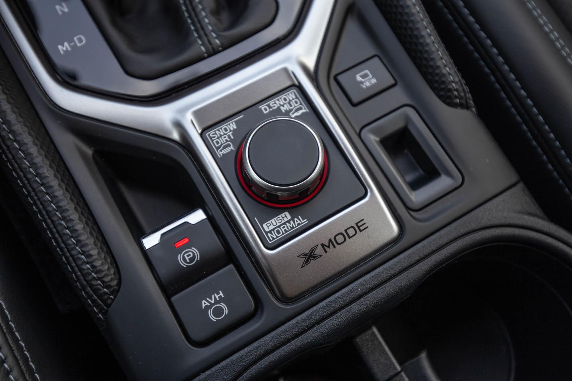 X-MODE 雙模式脫困科技提供很多元的路面行駛能力。