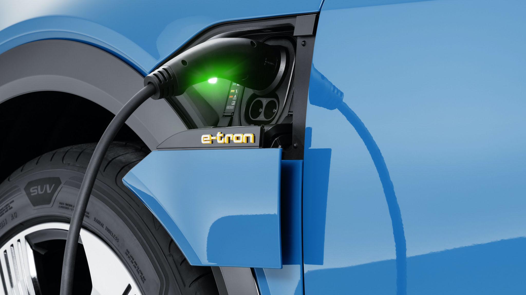 Audi 與華城 EValue 合作,年底前新增 5 座快充站及 150 座交流充電站