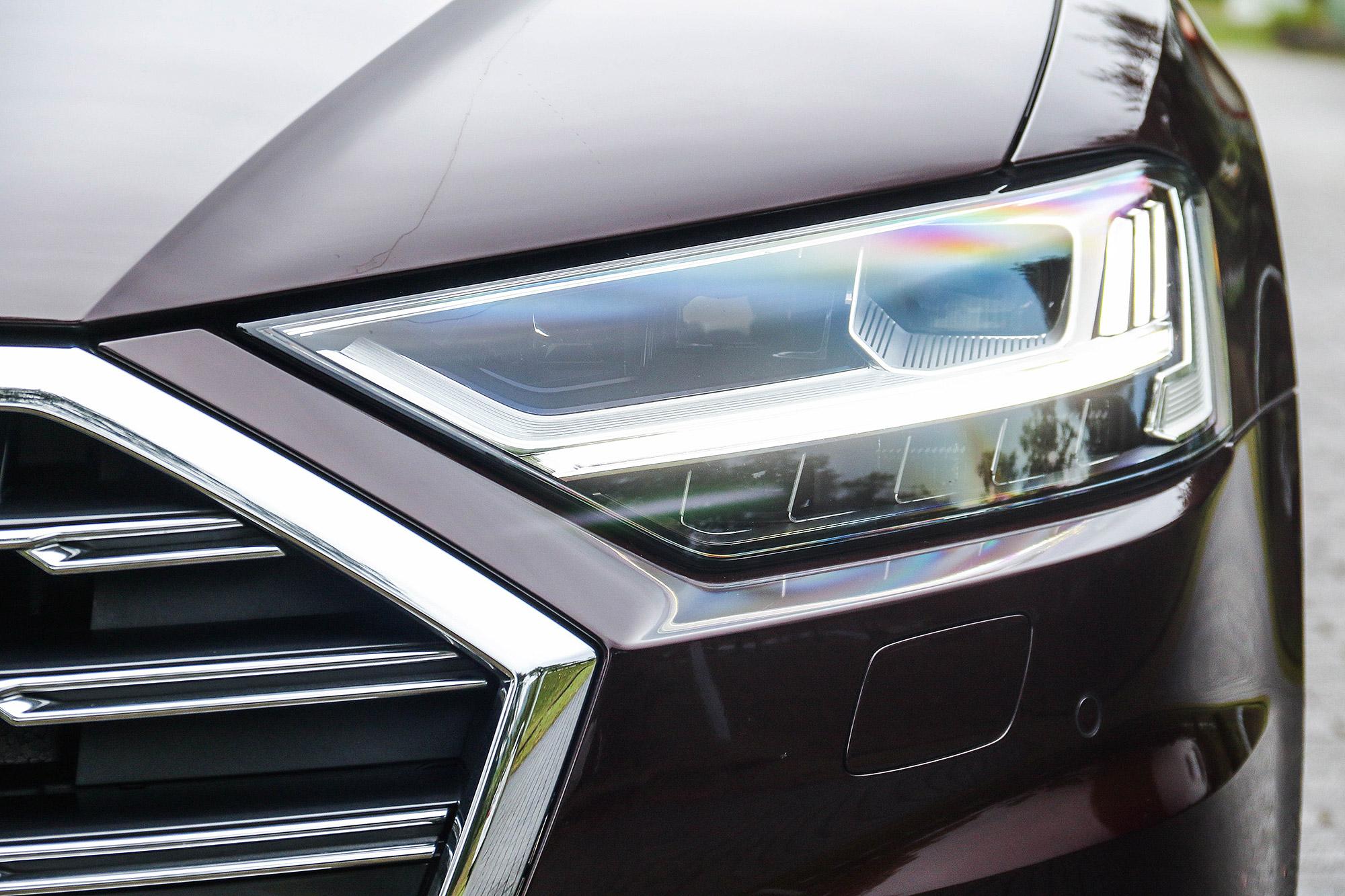 可選配 HD 高階矩陣式 LED 頭燈。