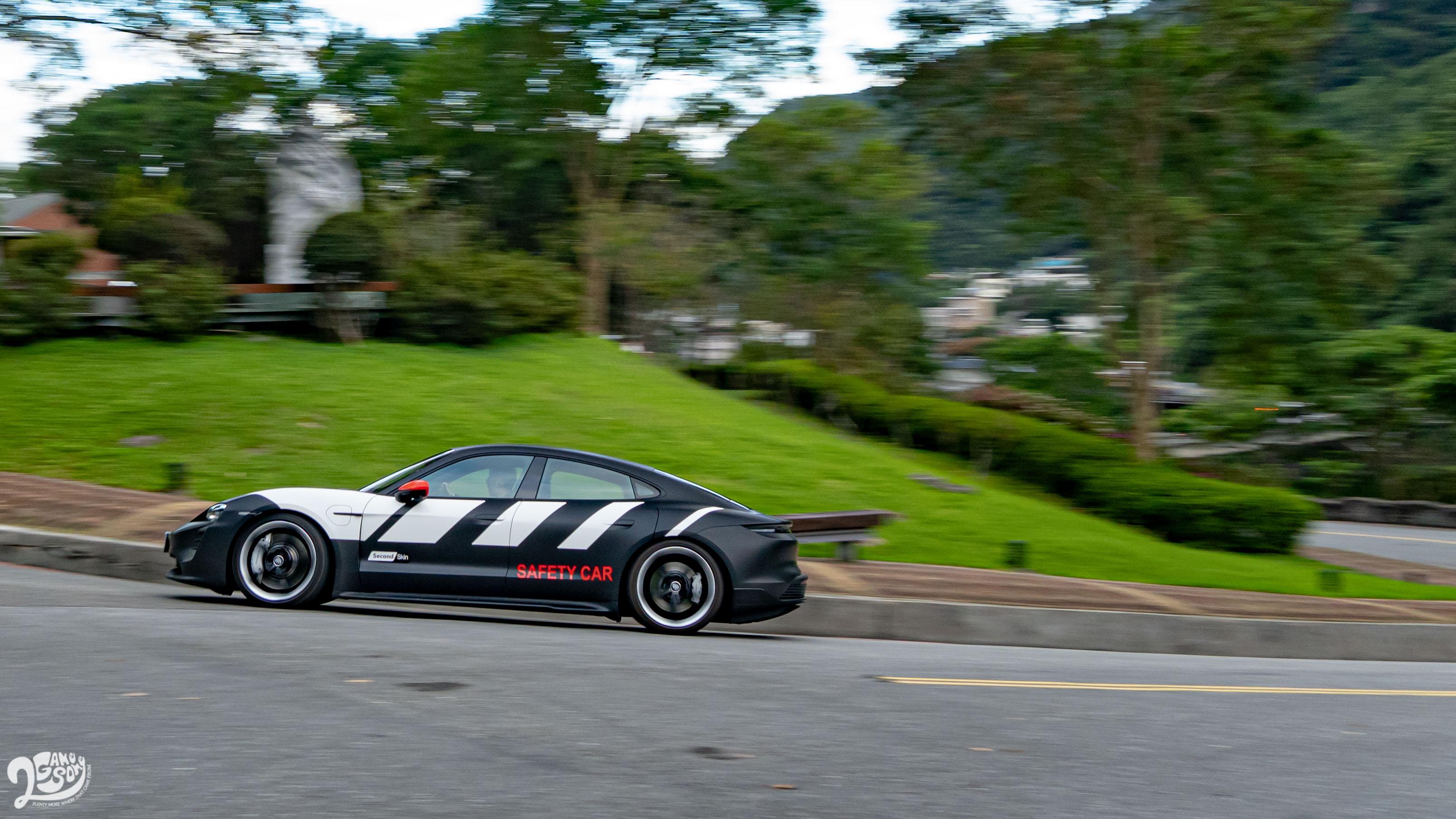 電動跑車音效是 Taycan 在聽覺上最能彰顯其身份的元素。