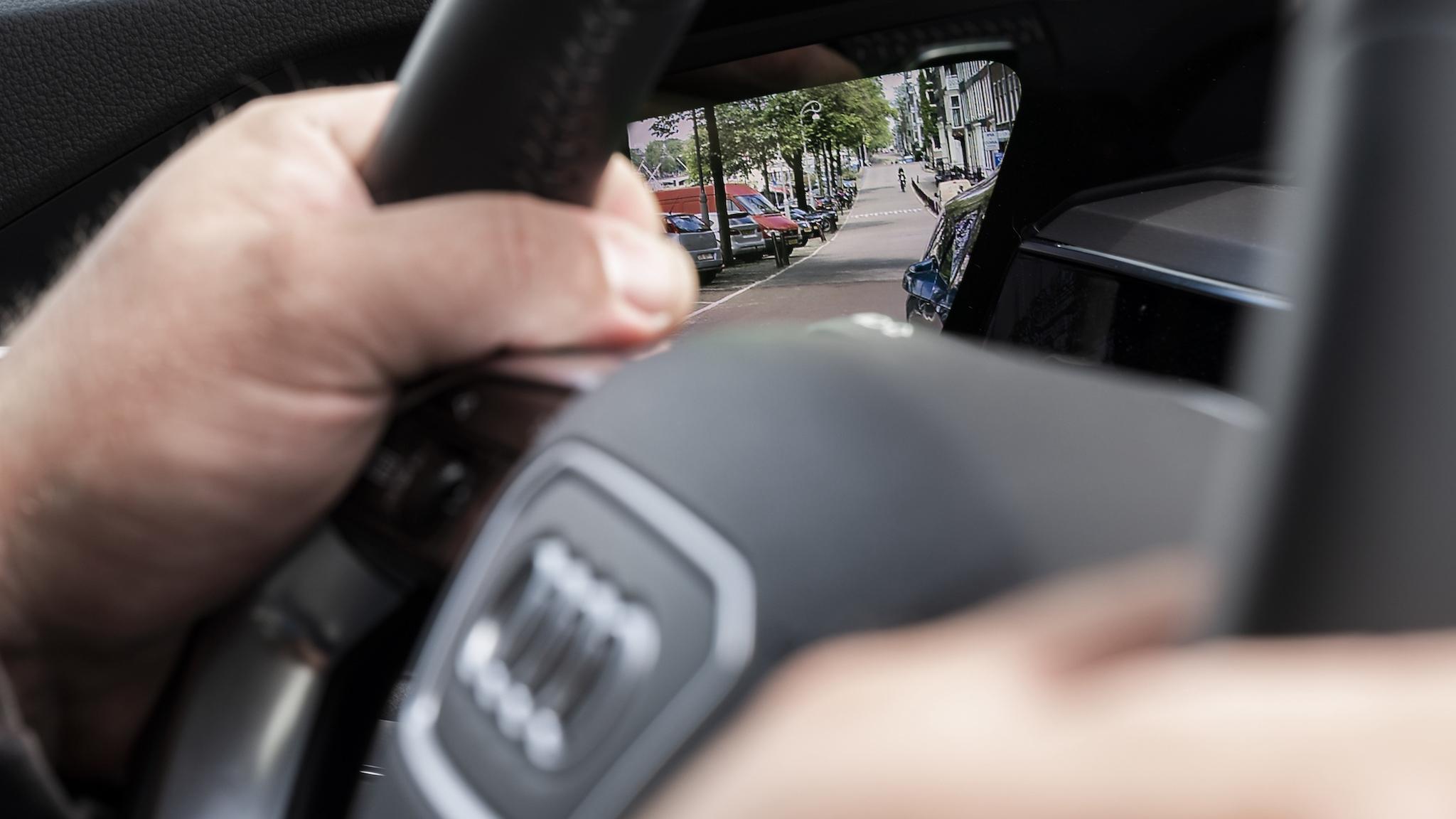 Audi e-tron 率先推出虛擬後視鏡,11 月底前免費升級