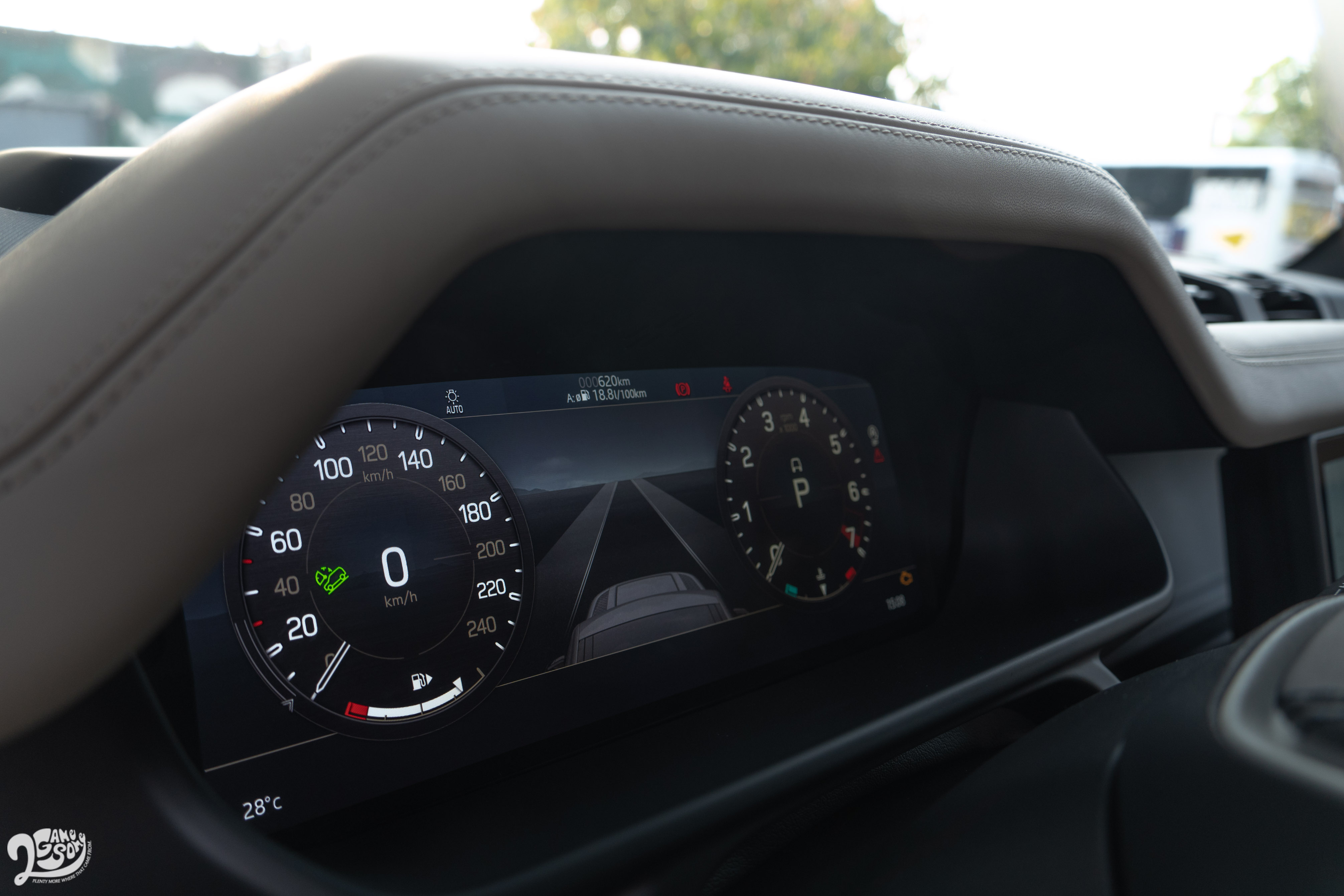 Defender 全車系同時標配 12.3 吋全數位化 HD虛擬儀錶板。