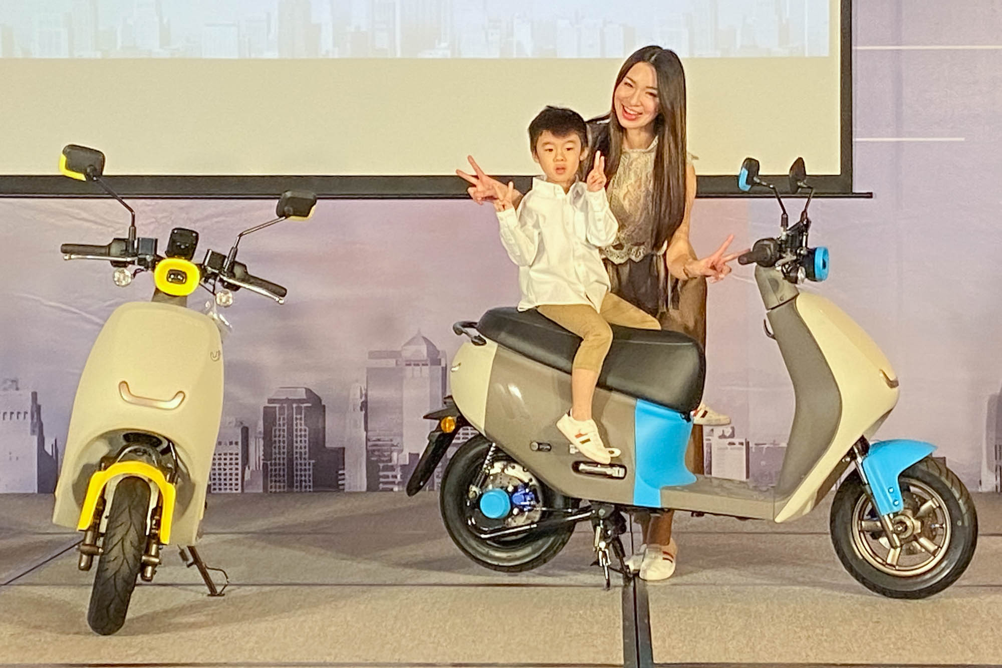 僅有 82kg 車重與超省力中柱設計,相當適合女性騎士騎乘,媽媽騎車載小孩更是相當適合!