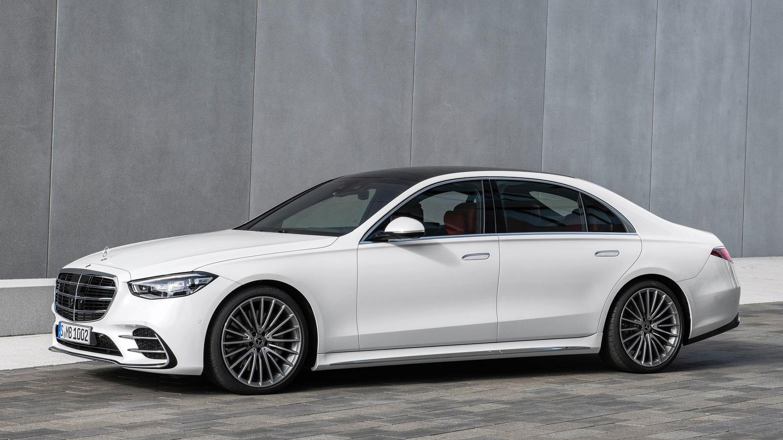 【影】全新 Mercedes-Benz S-Class 正式亮相,台灣賓士長官帶你仔細端詳