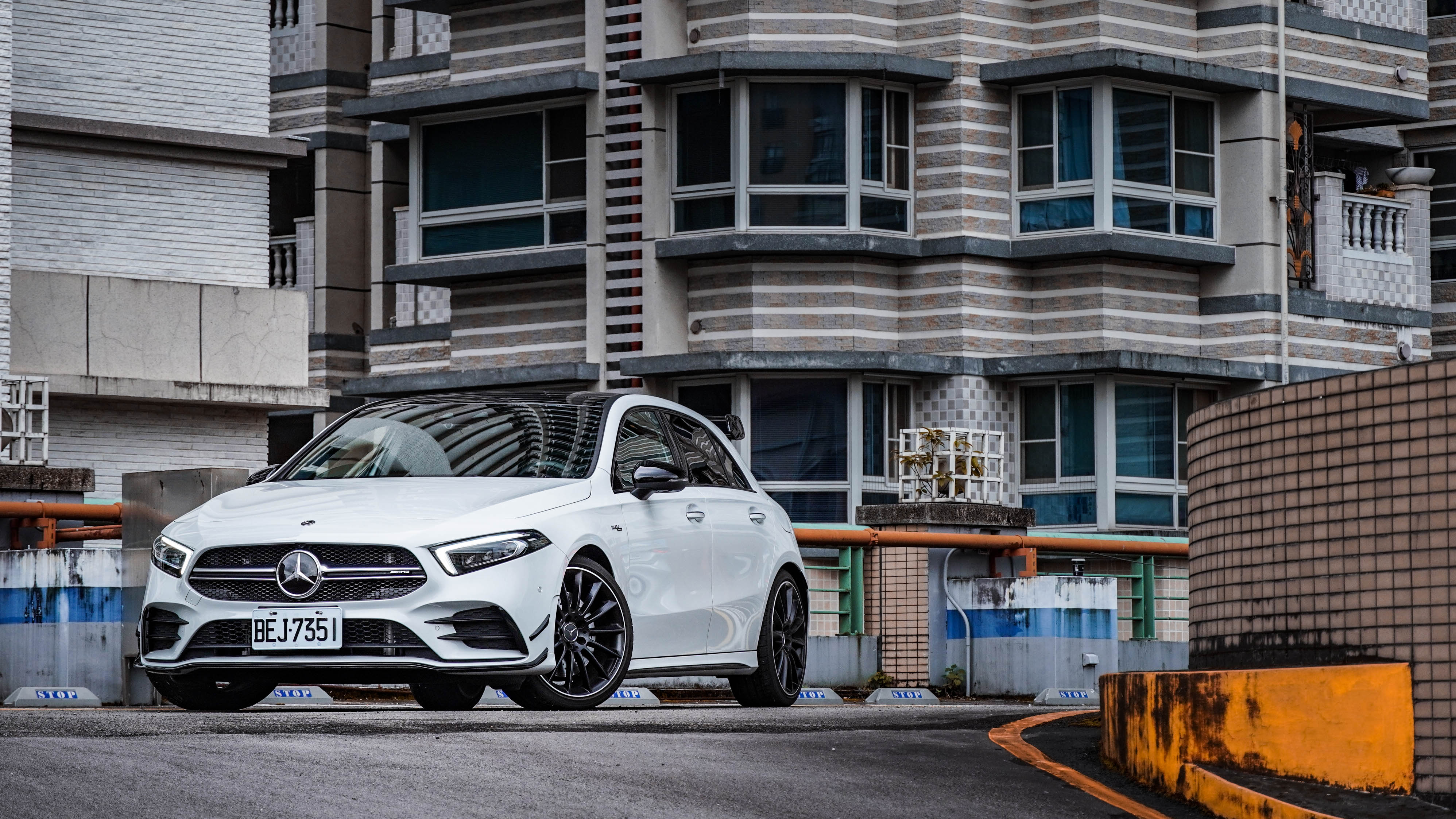 Mercedes-AMG A 35 4MATIC 售價 250 萬元起。