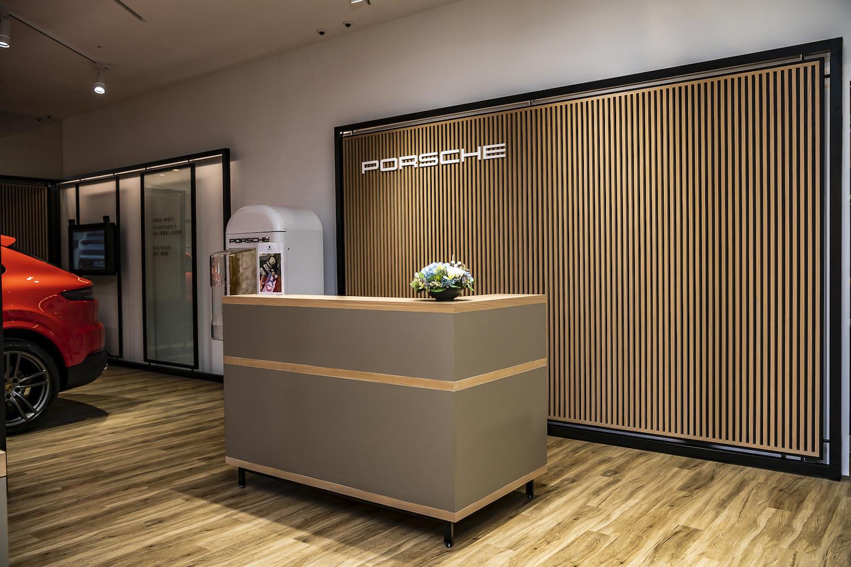 Porsche NOW 概念店規劃專屬 VIP Lounge。