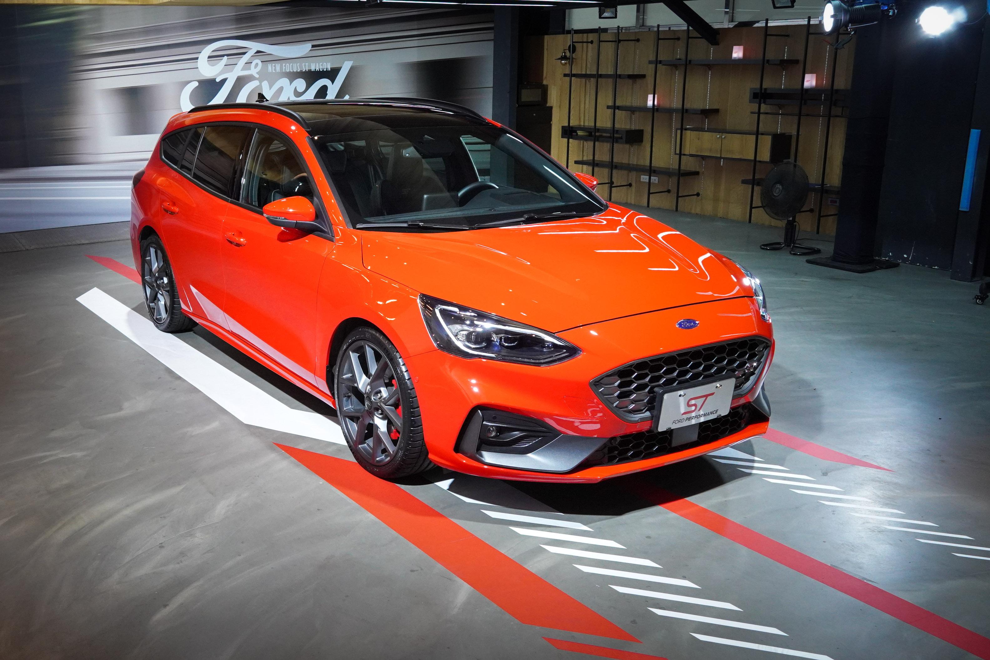 Ford Focus ST Wagon 公布預接單價 142.8 萬。