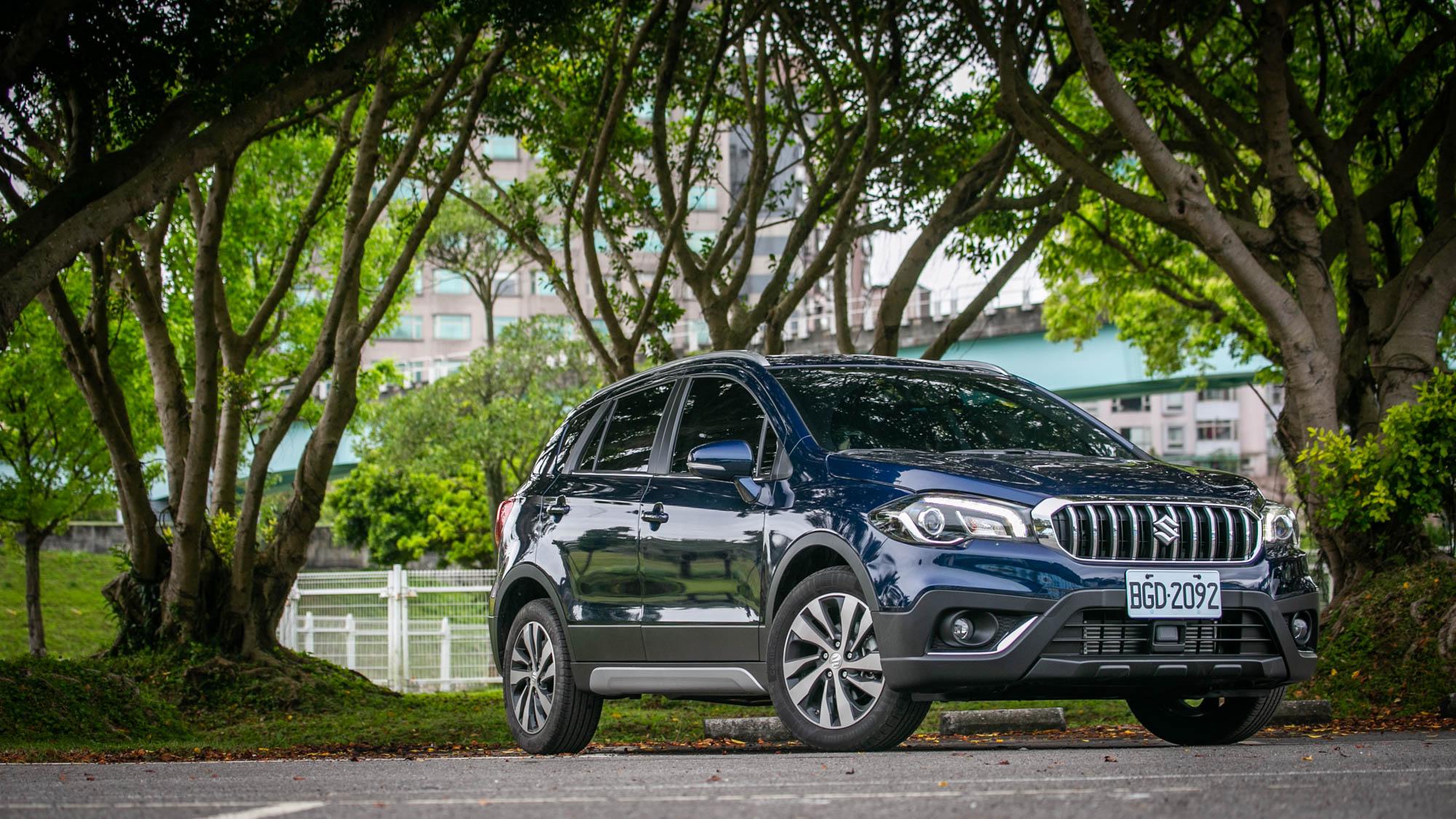 何須一定要買 CUV?Suzuki 小改款 SX4 可能更適合你?