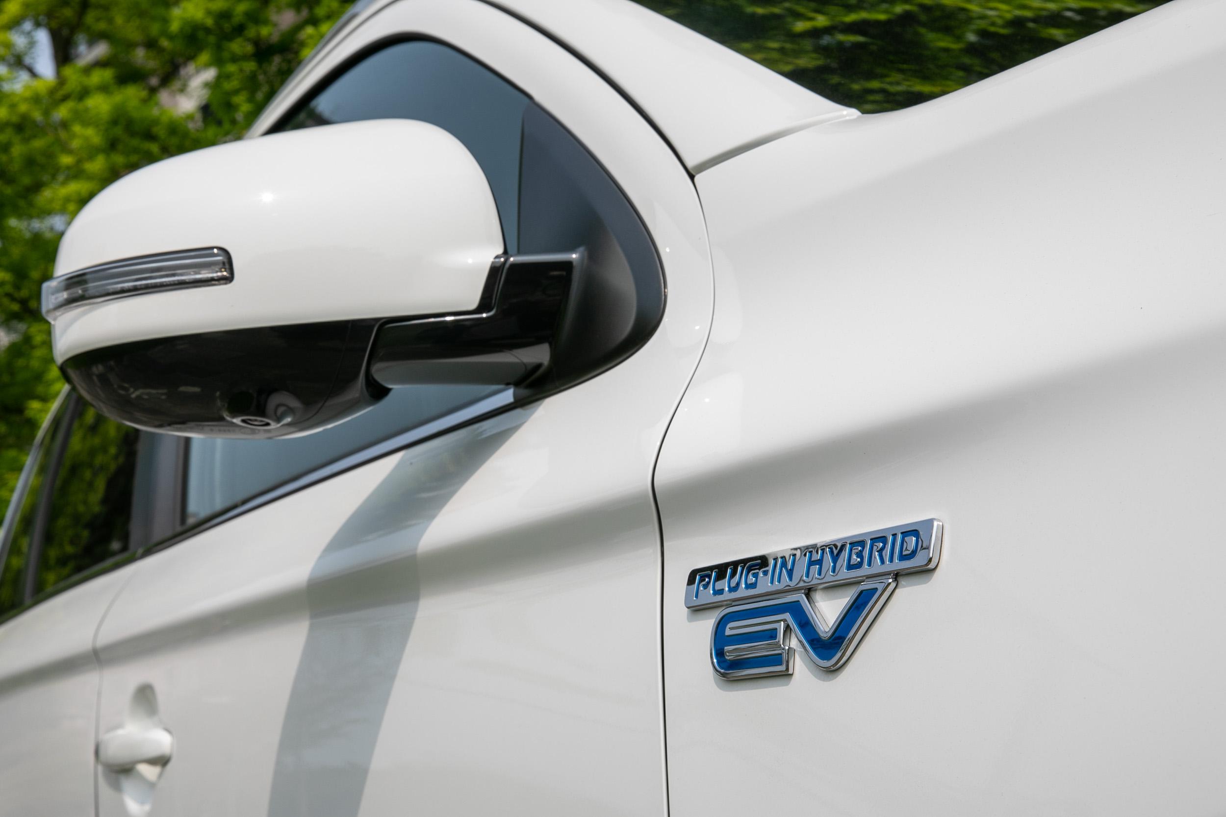 專屬的PHEV車型銘牌是辨識出 Outlander PHEV專屬身份最佳的方式。