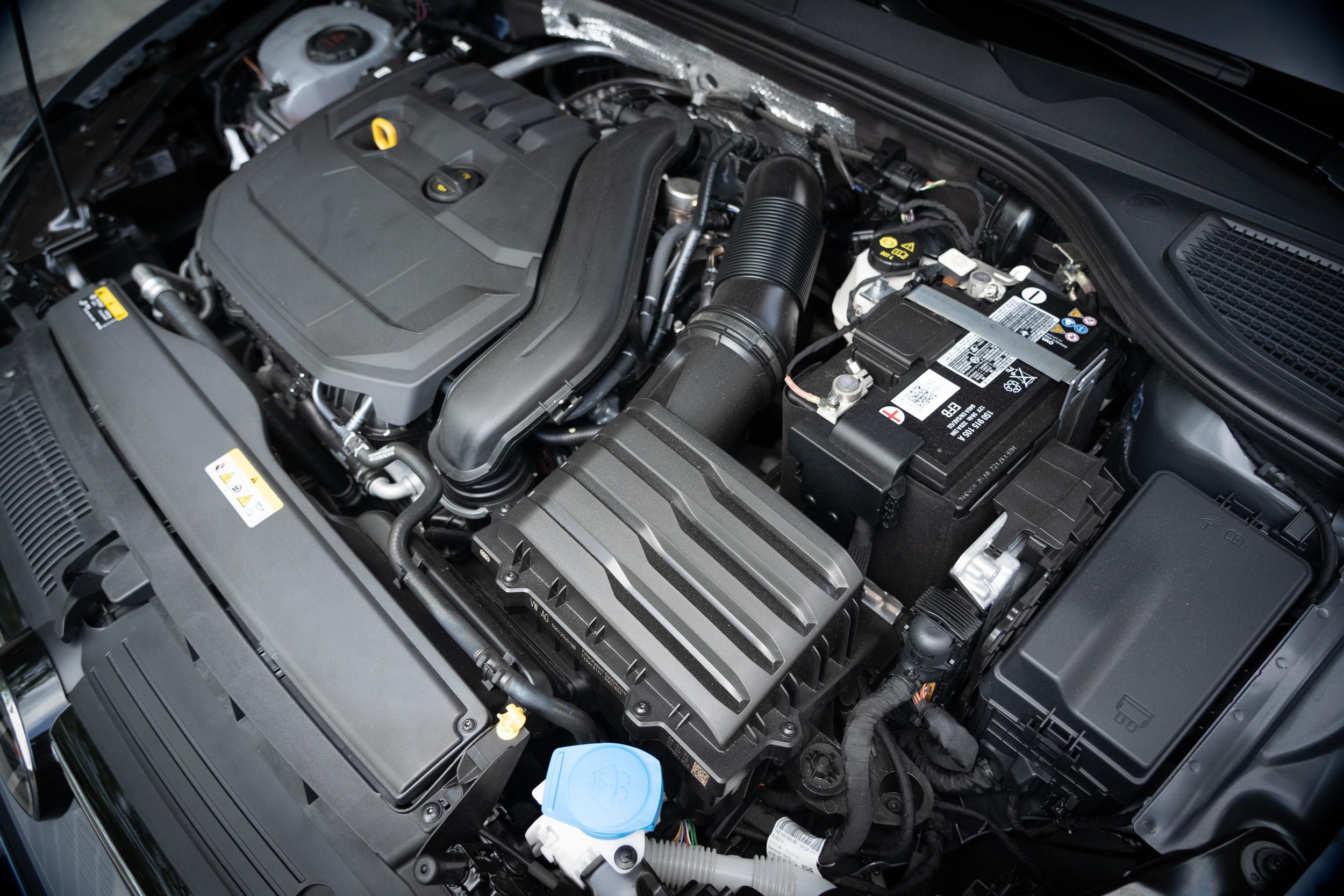 搭載1.5升渦輪增壓直列四缸汽油引擎,具備150ps / 5000~6000rpm最大馬力,與25.5kgm / 1500~3500rpm最大扭力輸出。