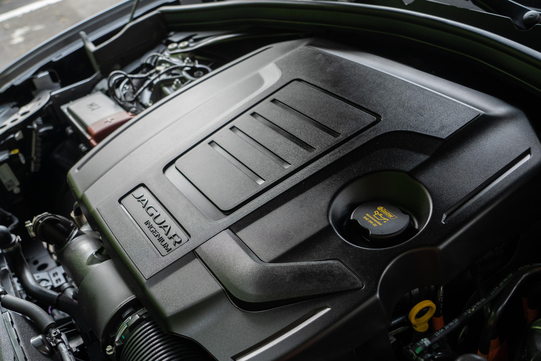 搭載Ingenium 2.0升直列四缸渦輪增壓汽油引,具備250ps/5500rpm最大馬力,與365Nm/4500rpm 峰值扭力輸出。