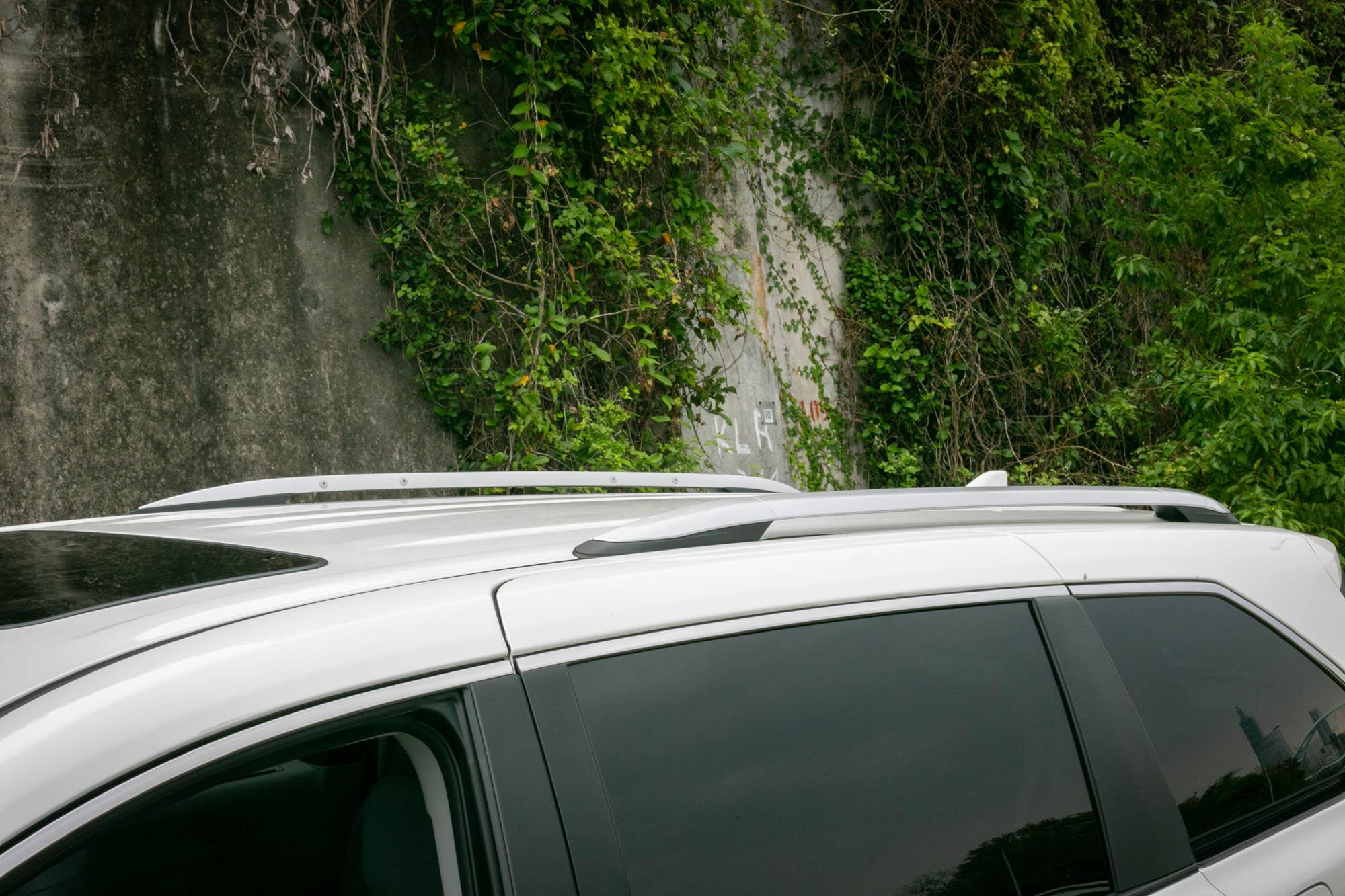 全車系標配車頂架。