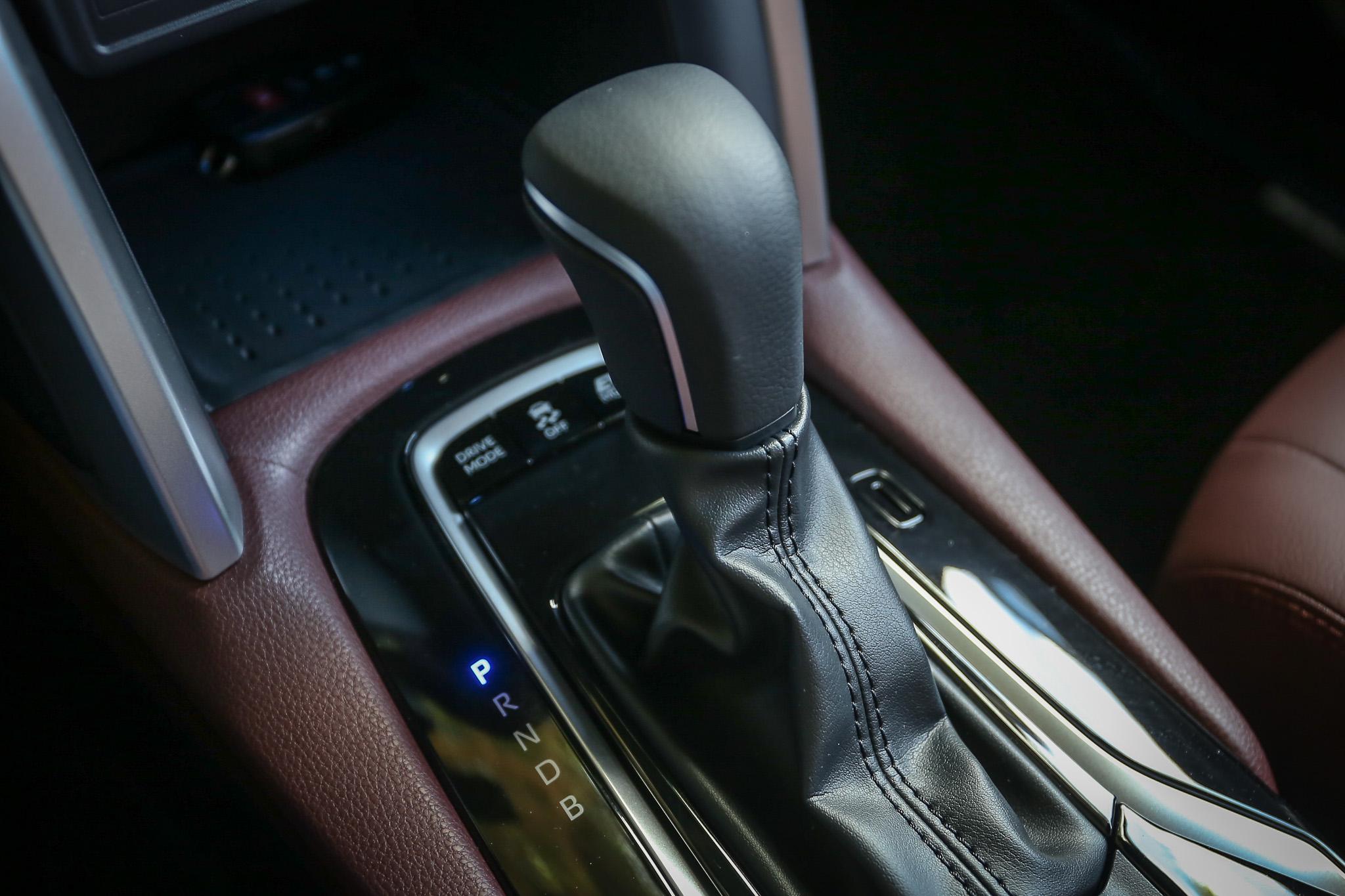動力銜接 CVT 變速箱。