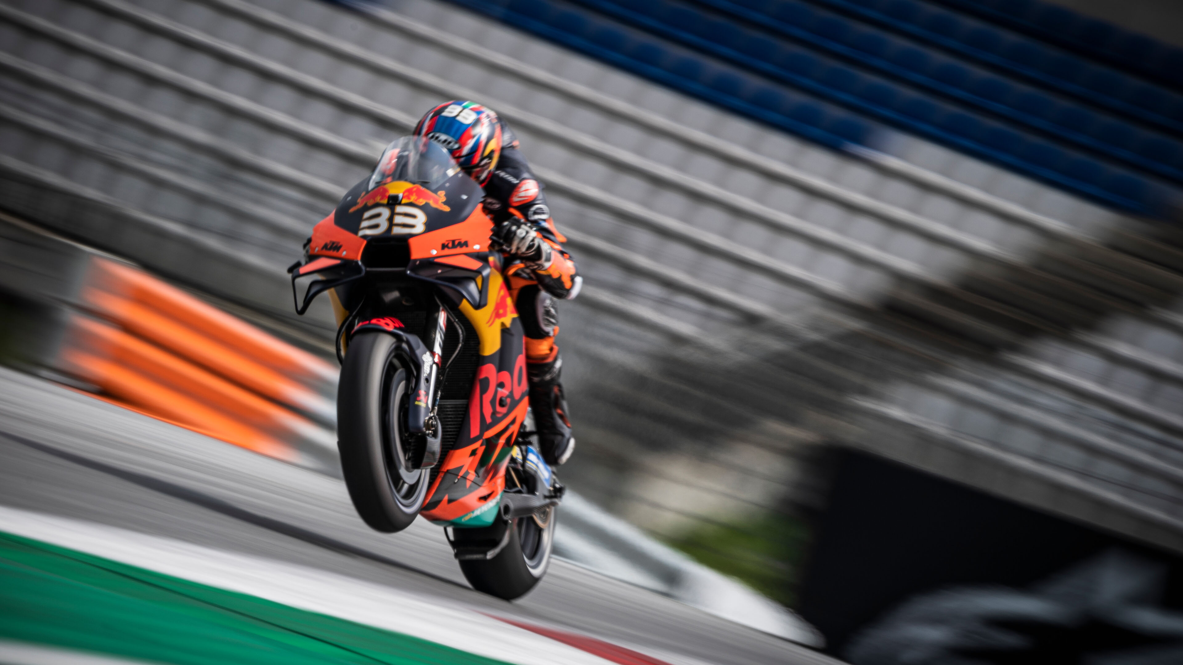 Red Bull 全新紀錄片登場:MotoGP 的崛起新星 Brad Binder
