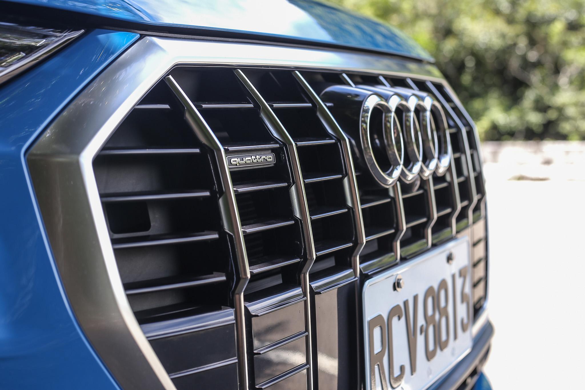 水箱罩內的 quattro 字樣,是許多 Audi 迷一定要的招牌。
