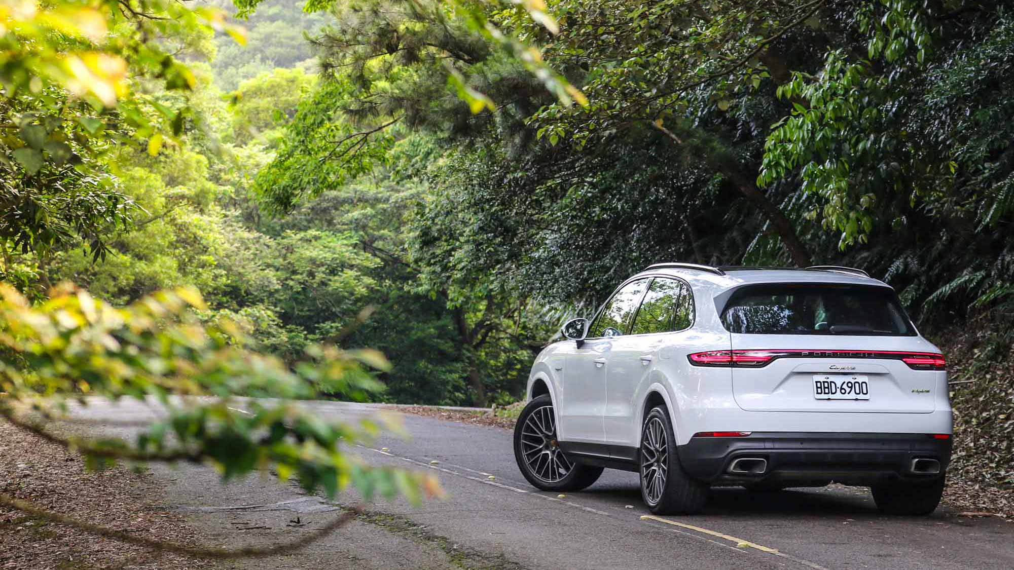 選擇困難退散!買 Porsche Cayenne 選 E-Hybrid 不會錯?