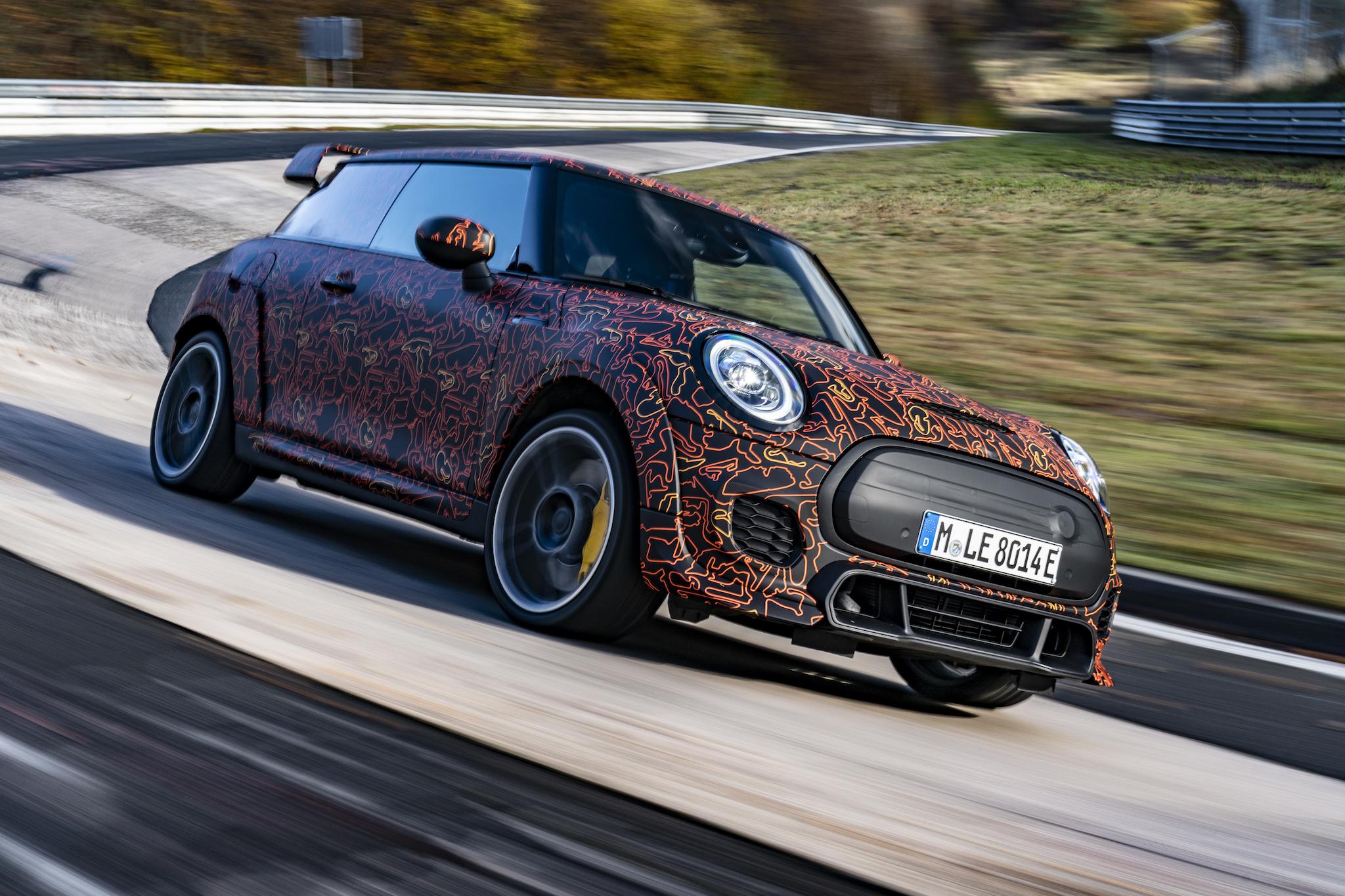 原型車融合了 MINI John Cooper Works GP 和 MINI Electric 的元素。