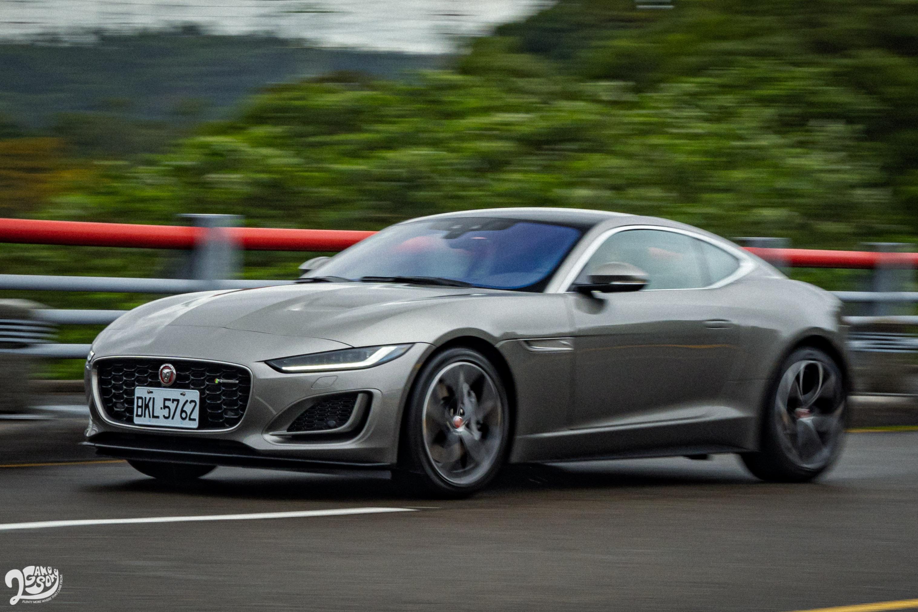 極快的轉向反應與車身動態,反映出下盤結構的特色;優異的懸吊調校,則稱職的演繹 GT 跑車身份。