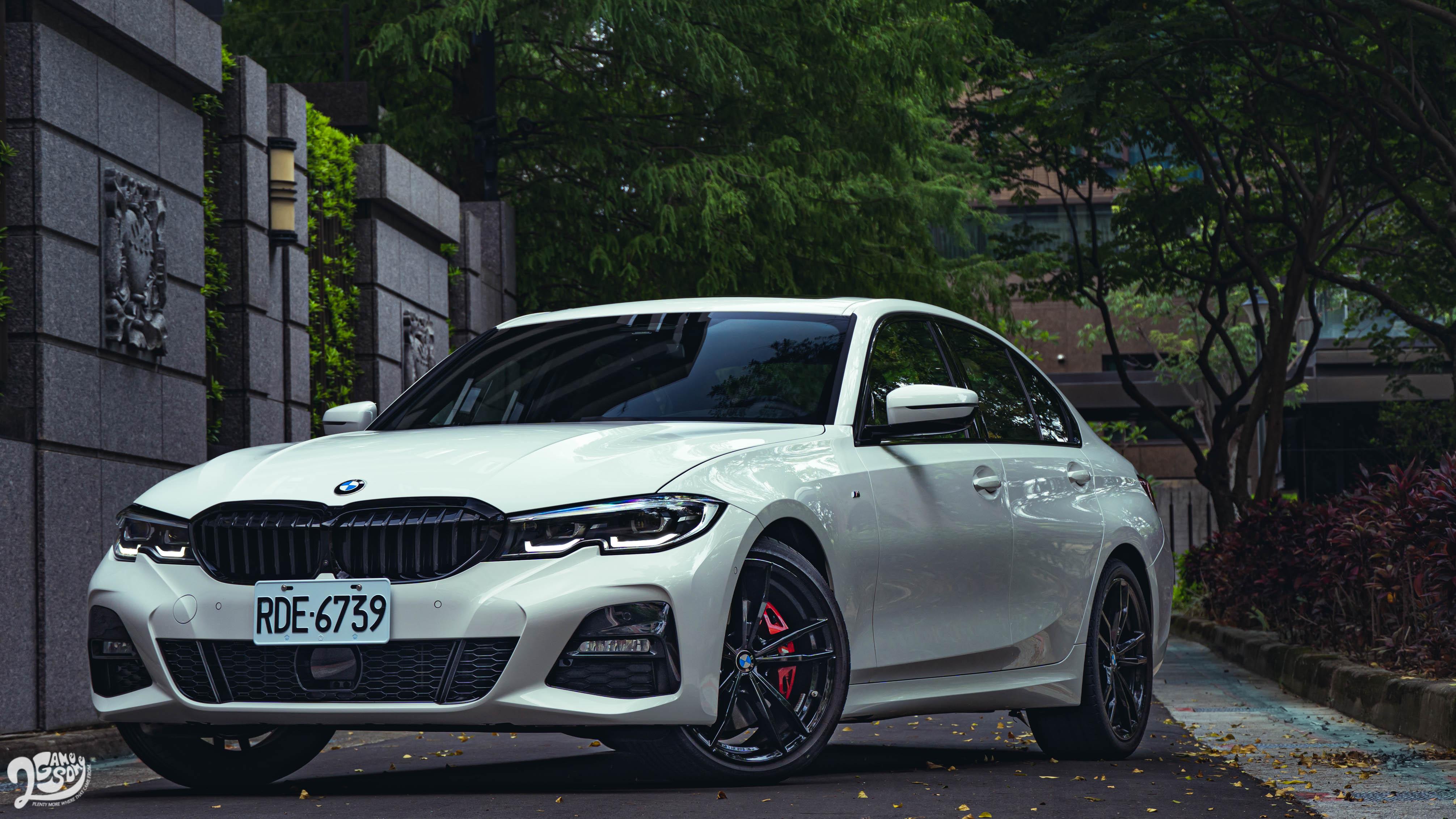 開帥不開快, BMW 330i M Sport Midnight Edition夜型版 越夜越美