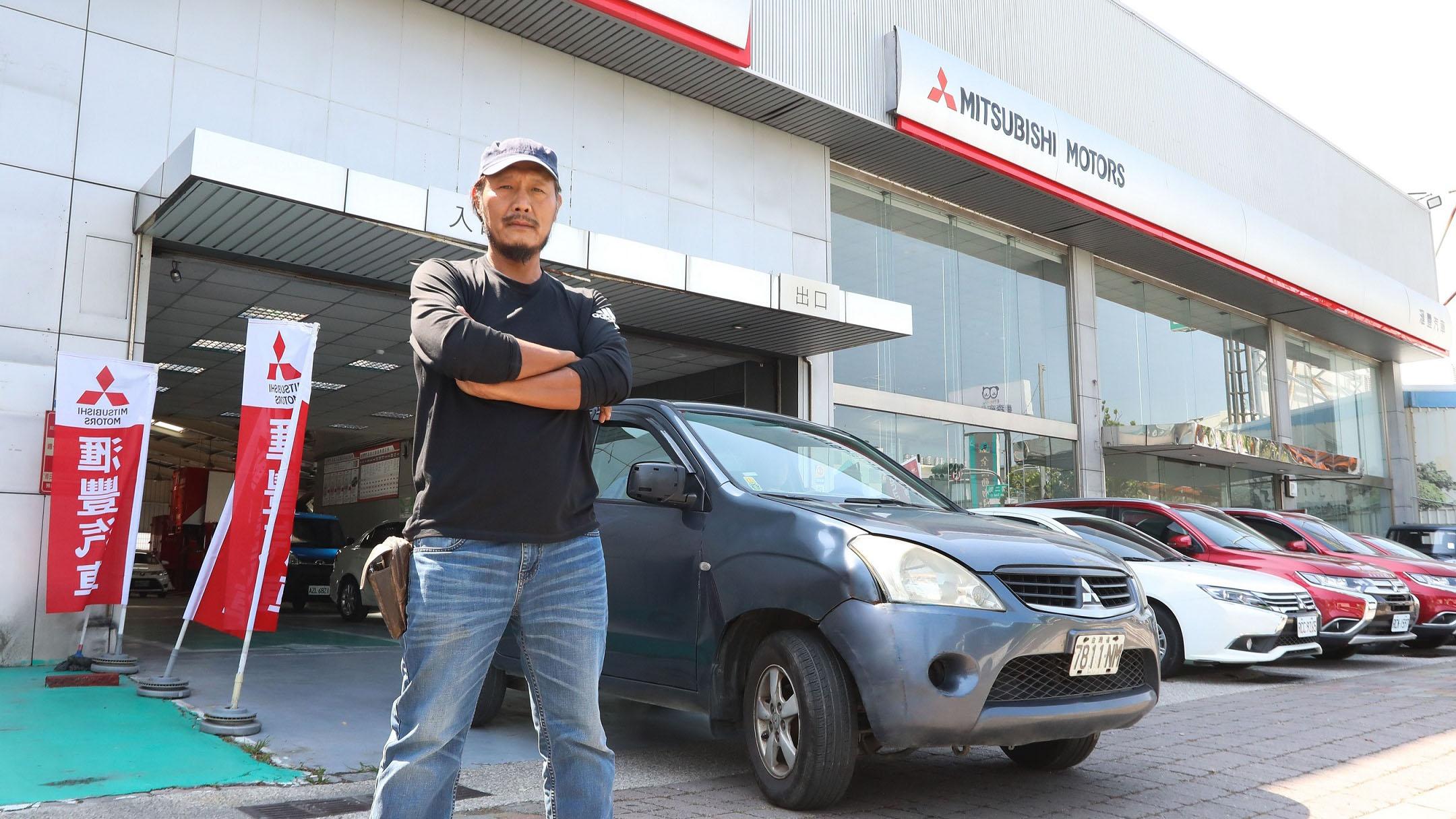 這台 Mitsubishi Zinger 跑了超過 100 萬公里,里程表都不夠用
