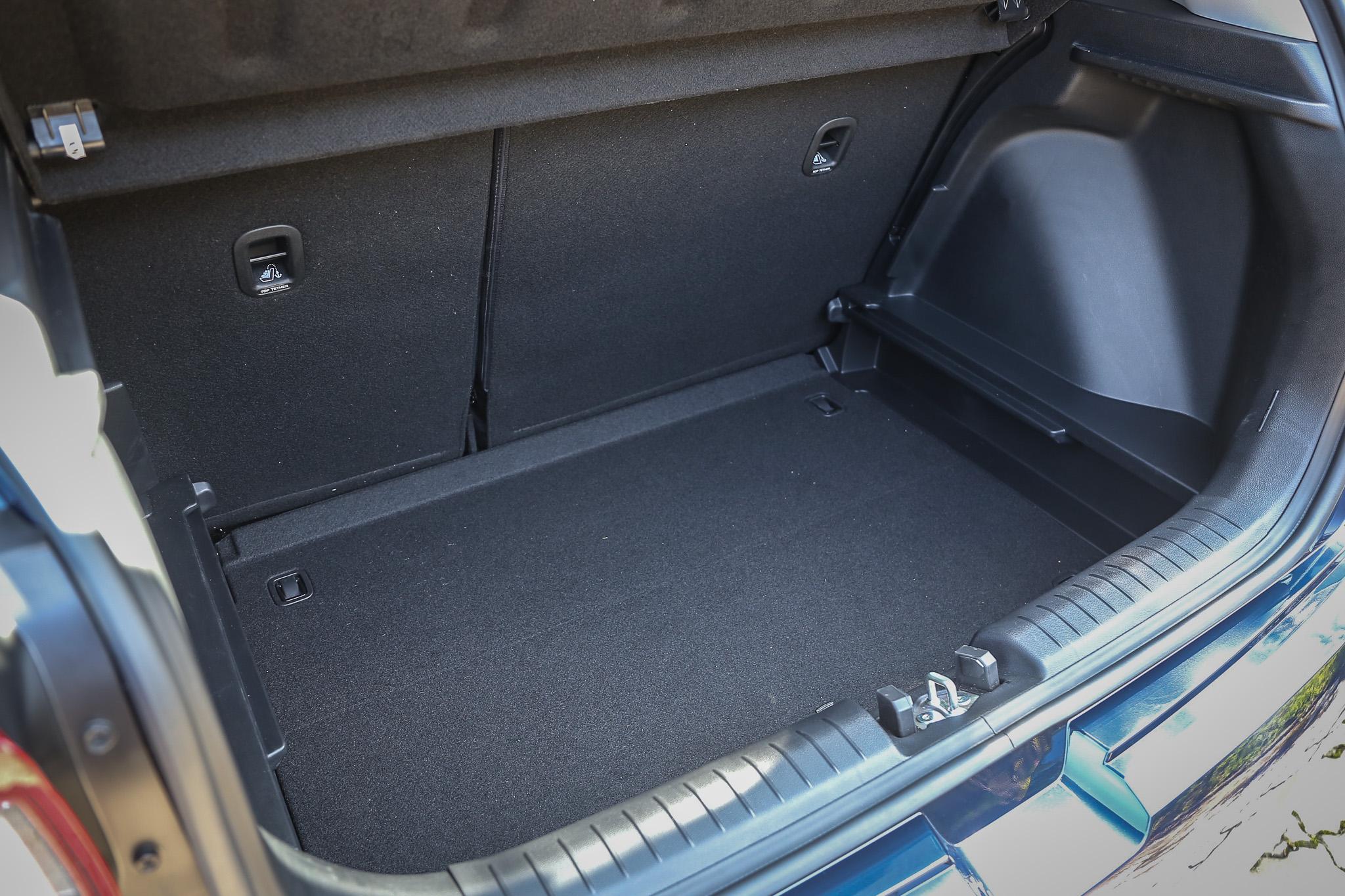 後廂底板具備兩段高度可調。