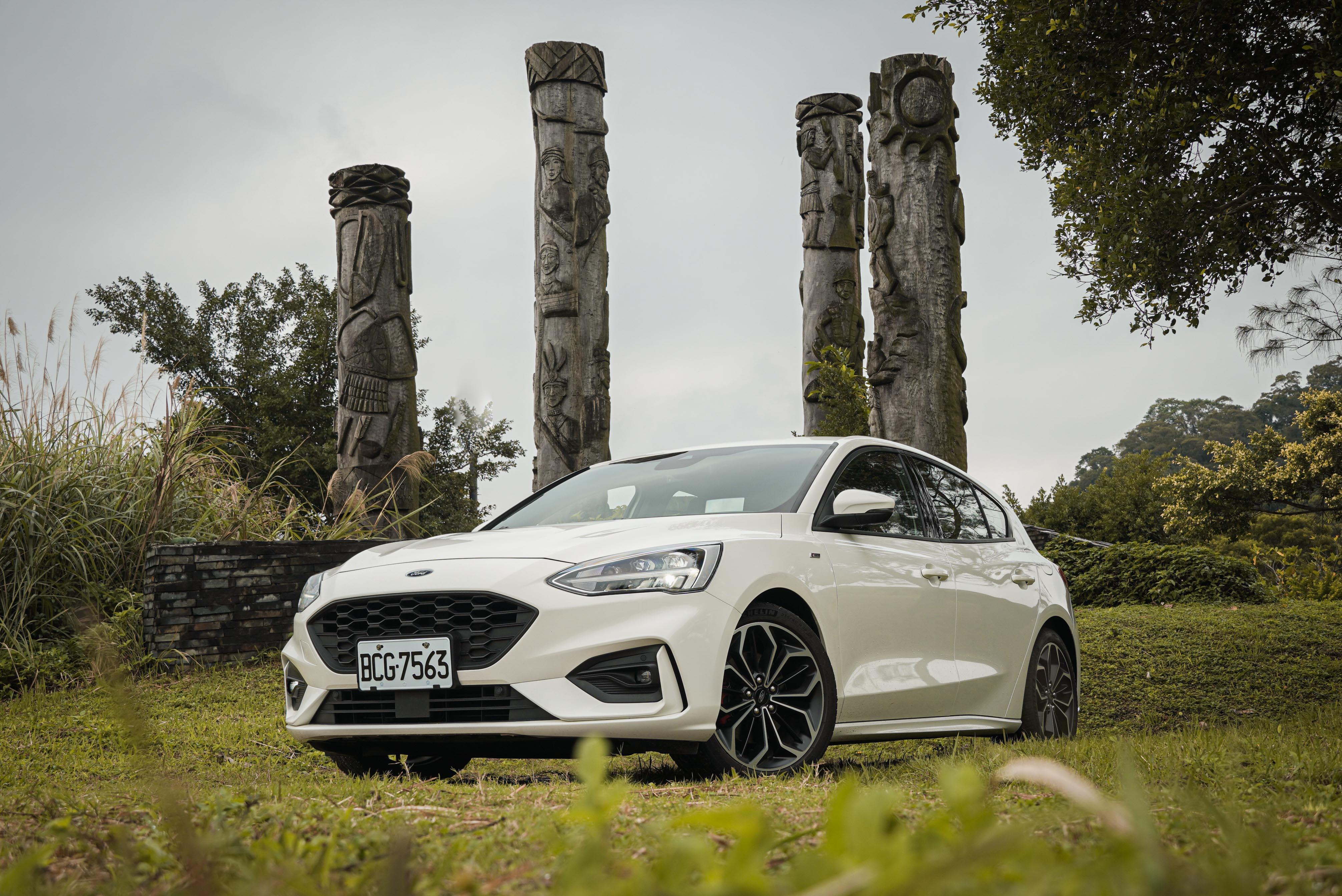 Ford Focus ST-Line Lommel 售價新台幣 92.8 萬元,舊換新價 87.8 萬。