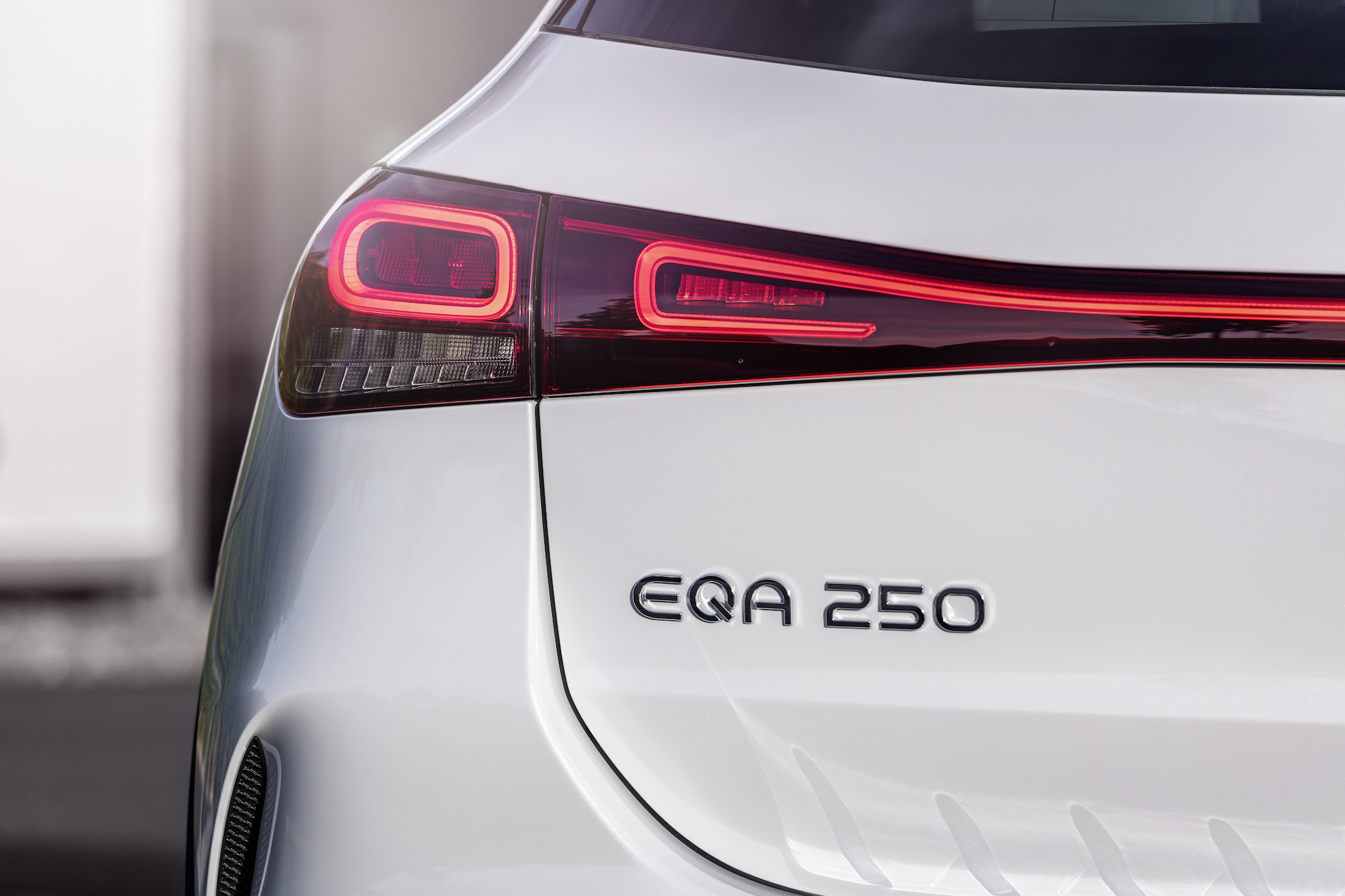 Mercedes-Benz 在 2020 年 1 月下旬發表了旗下首款緊湊型純電車款 EQA。