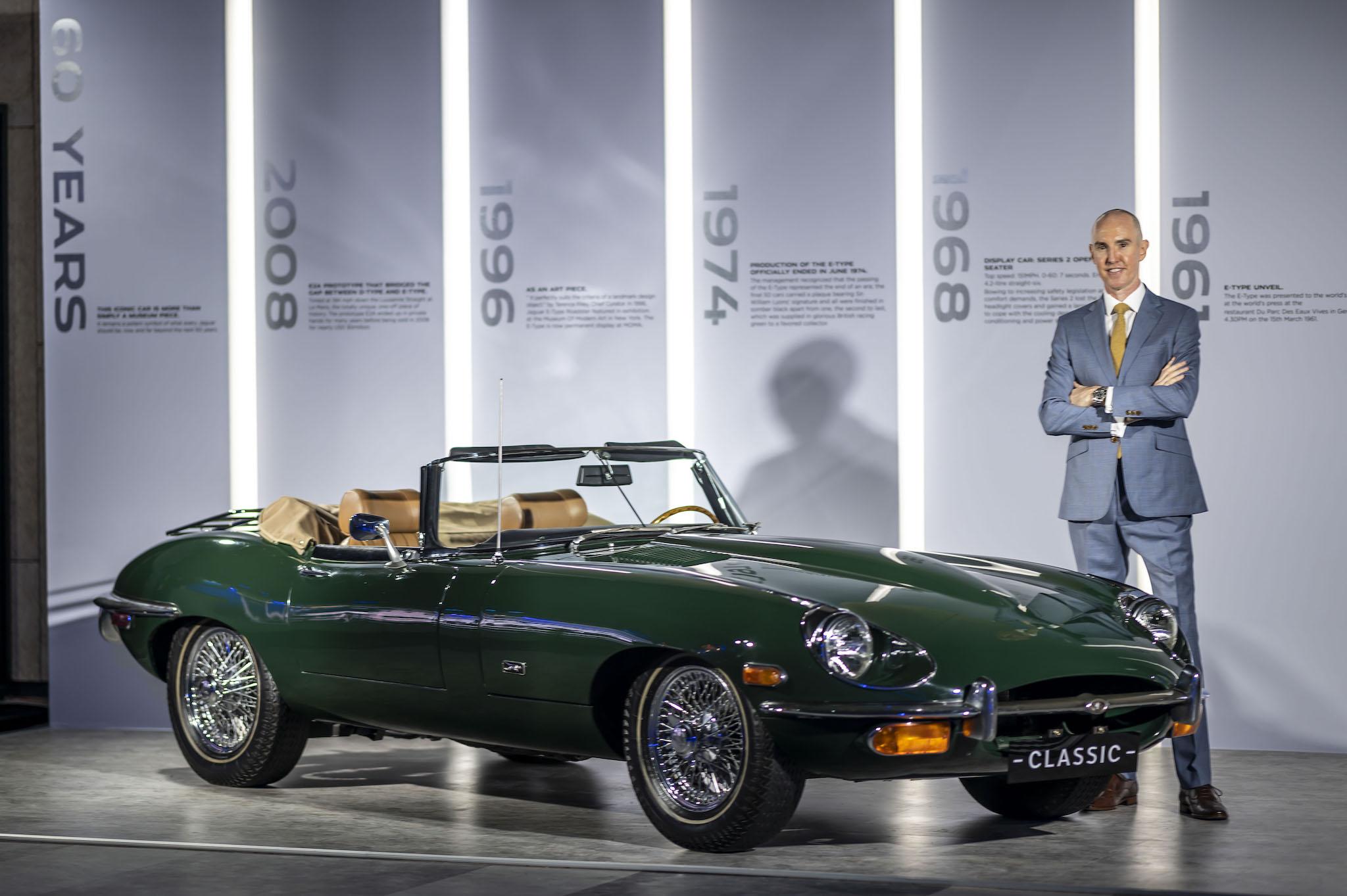 今日 Jaguar F-Type 發表會現場,也同步展示被譽為世界上最美跑車 E-Type。
