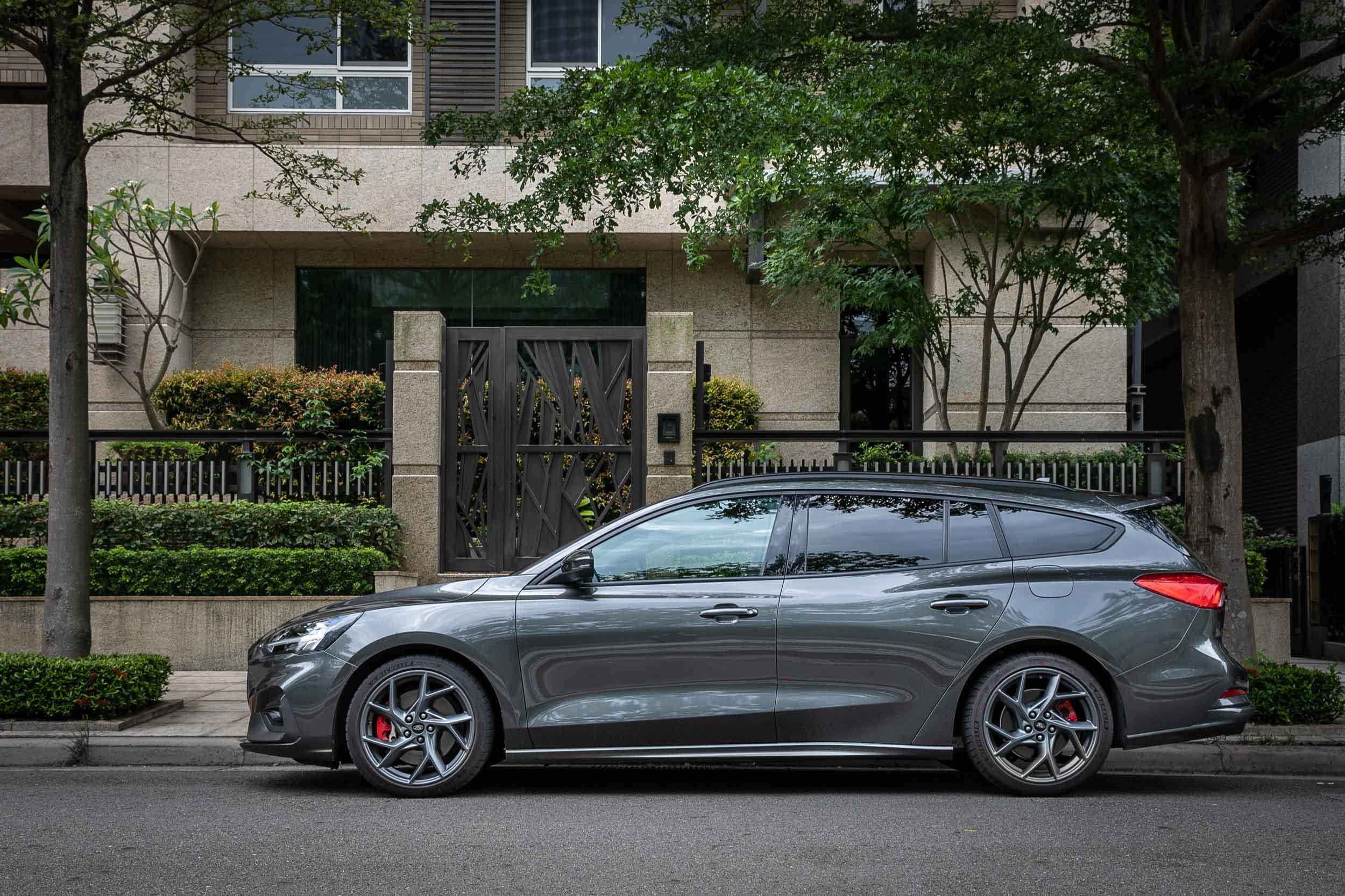 對於部分買家而言,或許 Focus ST Wagon SLS Edition滿足了他們最想要的「更低價入手」需求。
