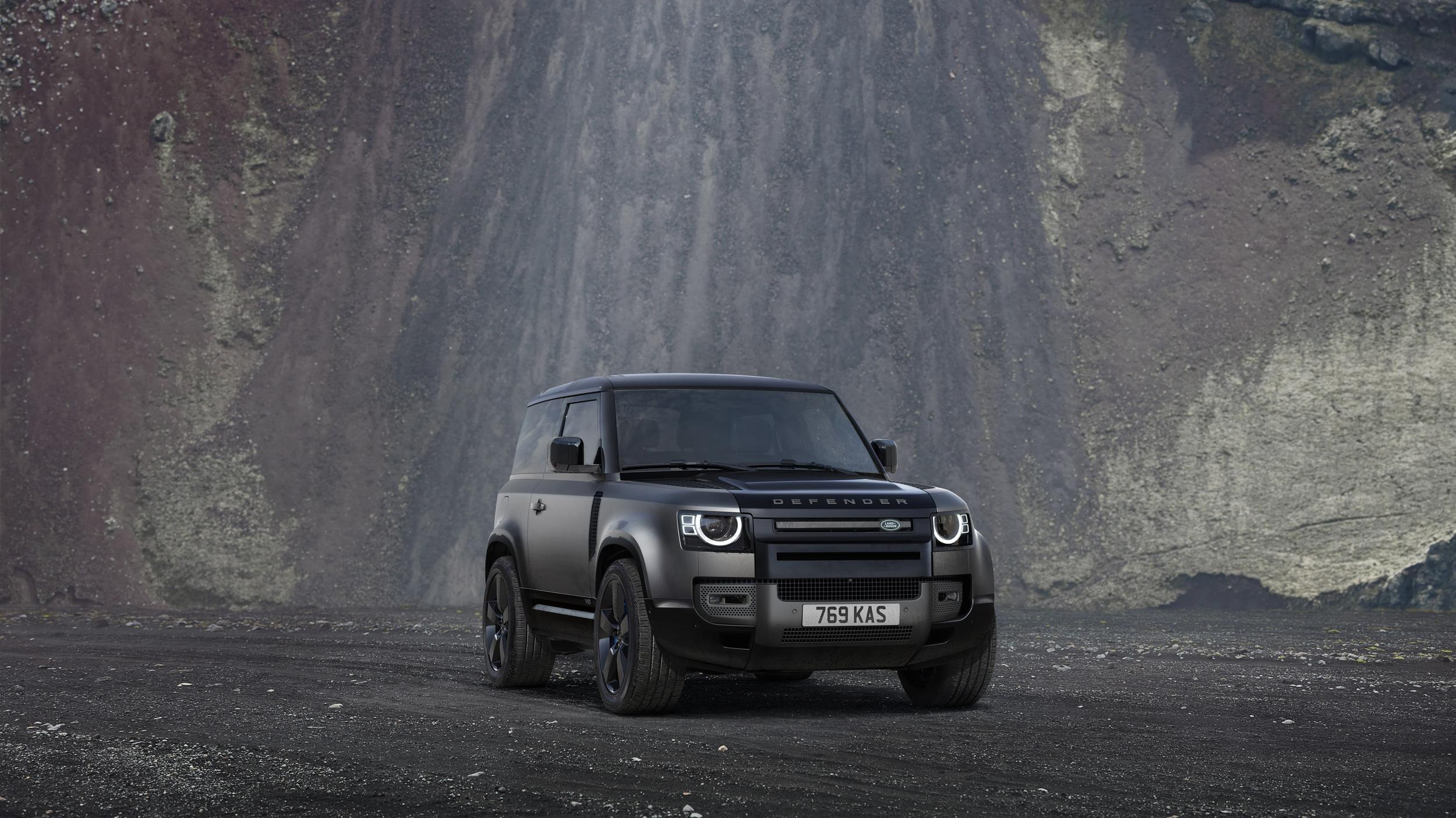 新台幣 650 萬元!Land Rover Defender 90 V8 特仕版 2023 年式限量預接單