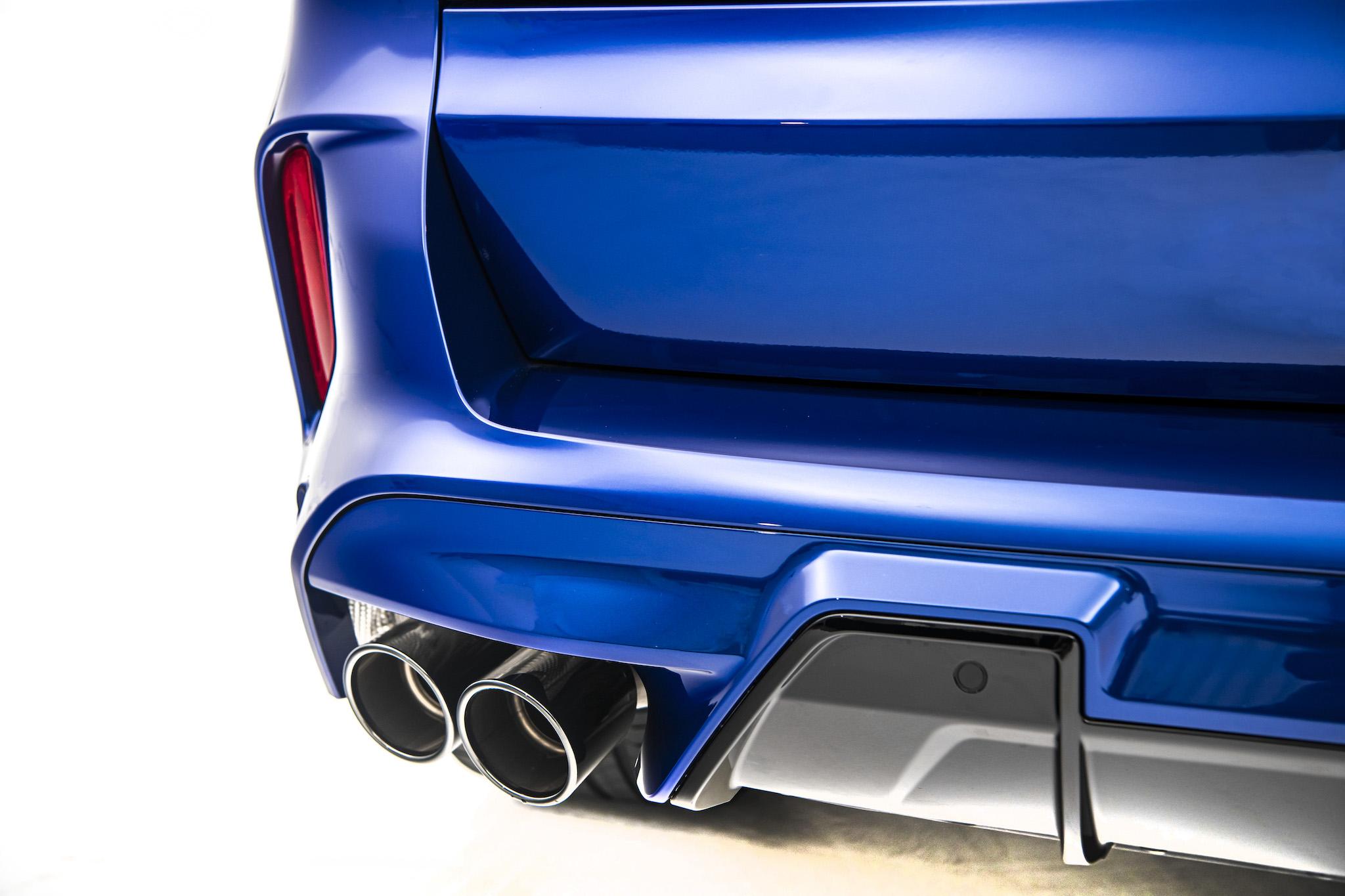 黑色雙邊雙出尾管的 M 運動化排氣系統讓 X5 M 引擎聲浪更為狂野渾厚。