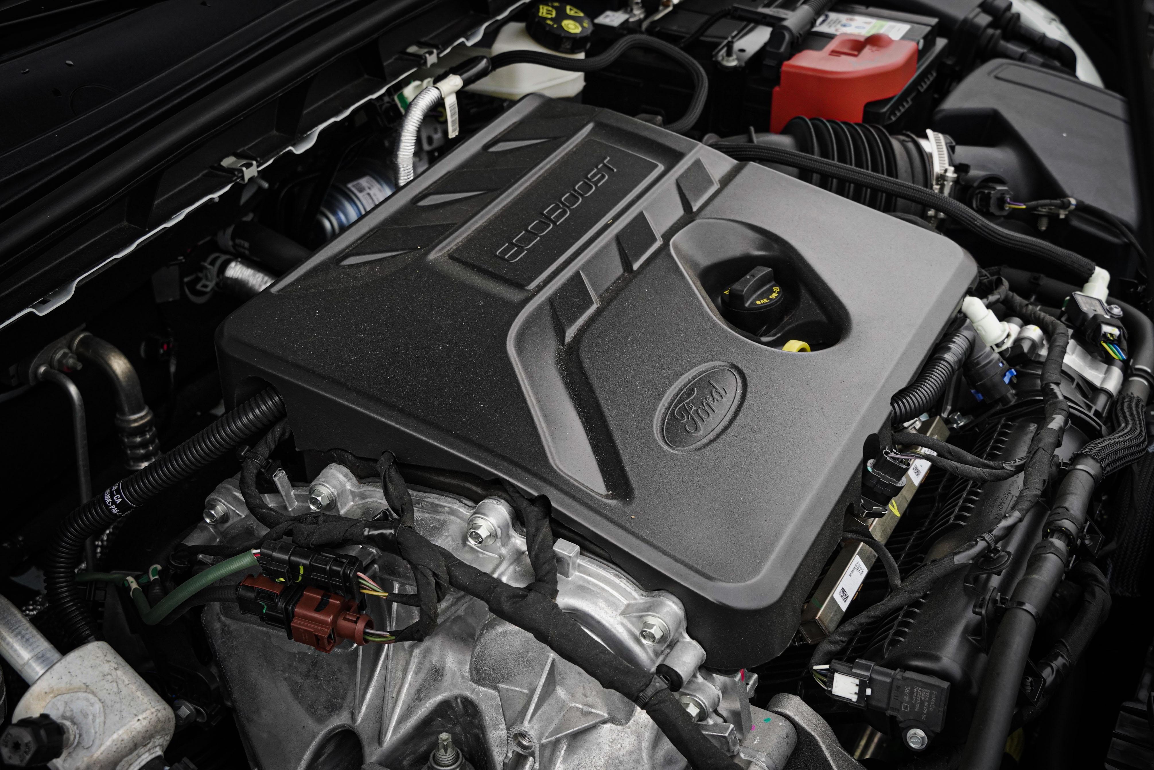 EcoBoost® 182 三缸渦輪增壓汽油引擎輸出 182 hp/24.5 kgm。