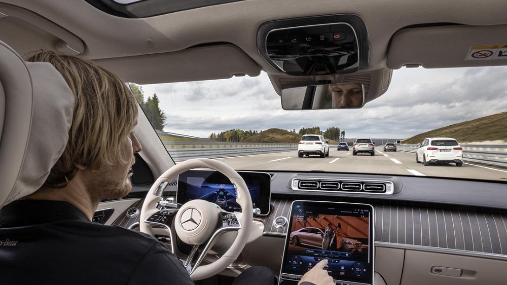 Mercedes-Benz S-Class 上市倒數,盤點最新駕駛科技