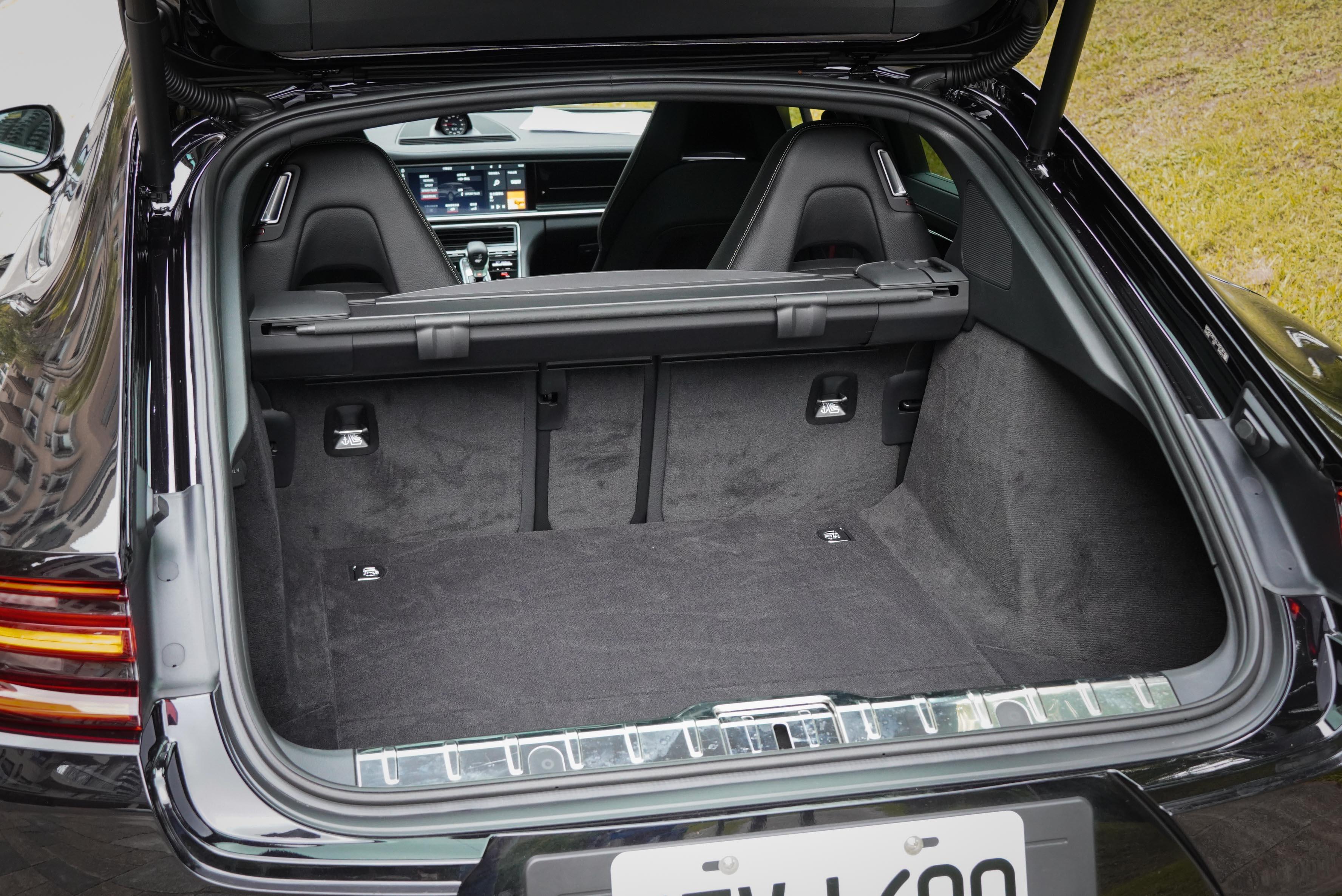 行李廂容積為 500 公升。