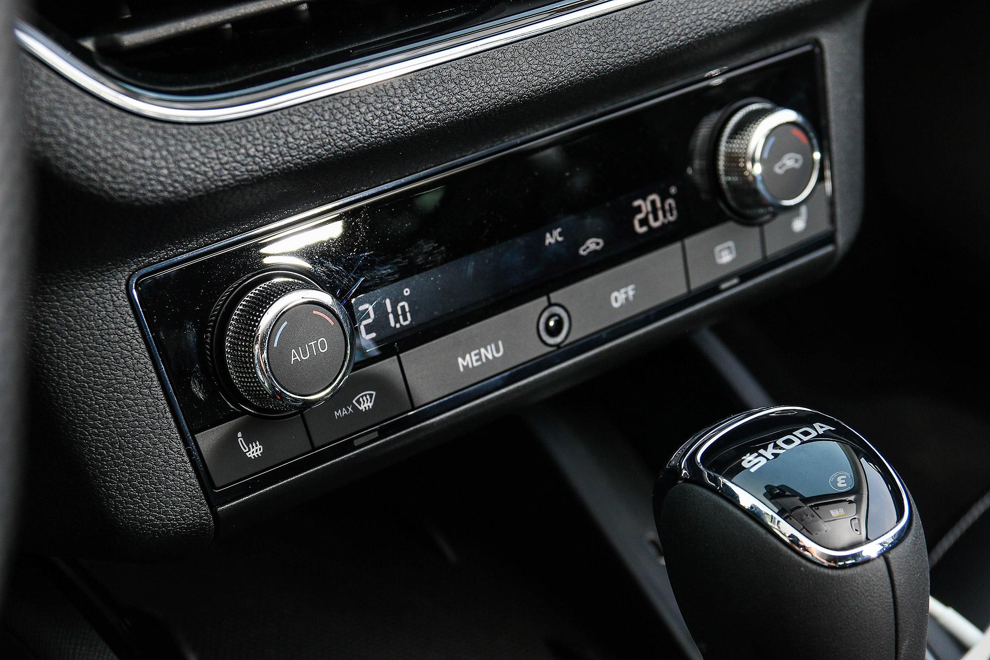 空調旋鈕亦有相同設計。