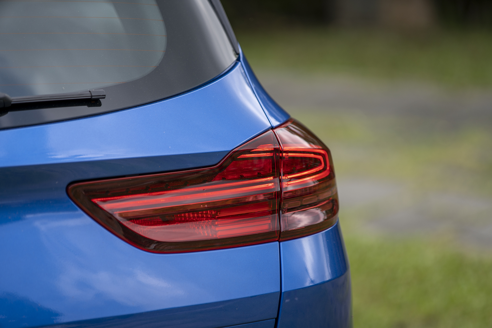 尾燈造型總讓人有一點 BMW 的影子在?